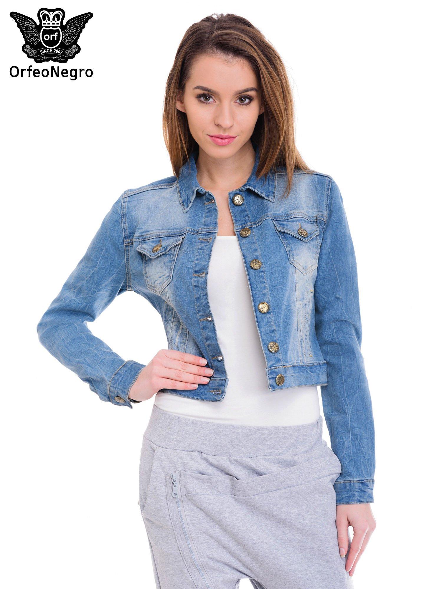 Niebieska kurtka jeansowa damska z efektem gniecenia                                  zdj.                                  1