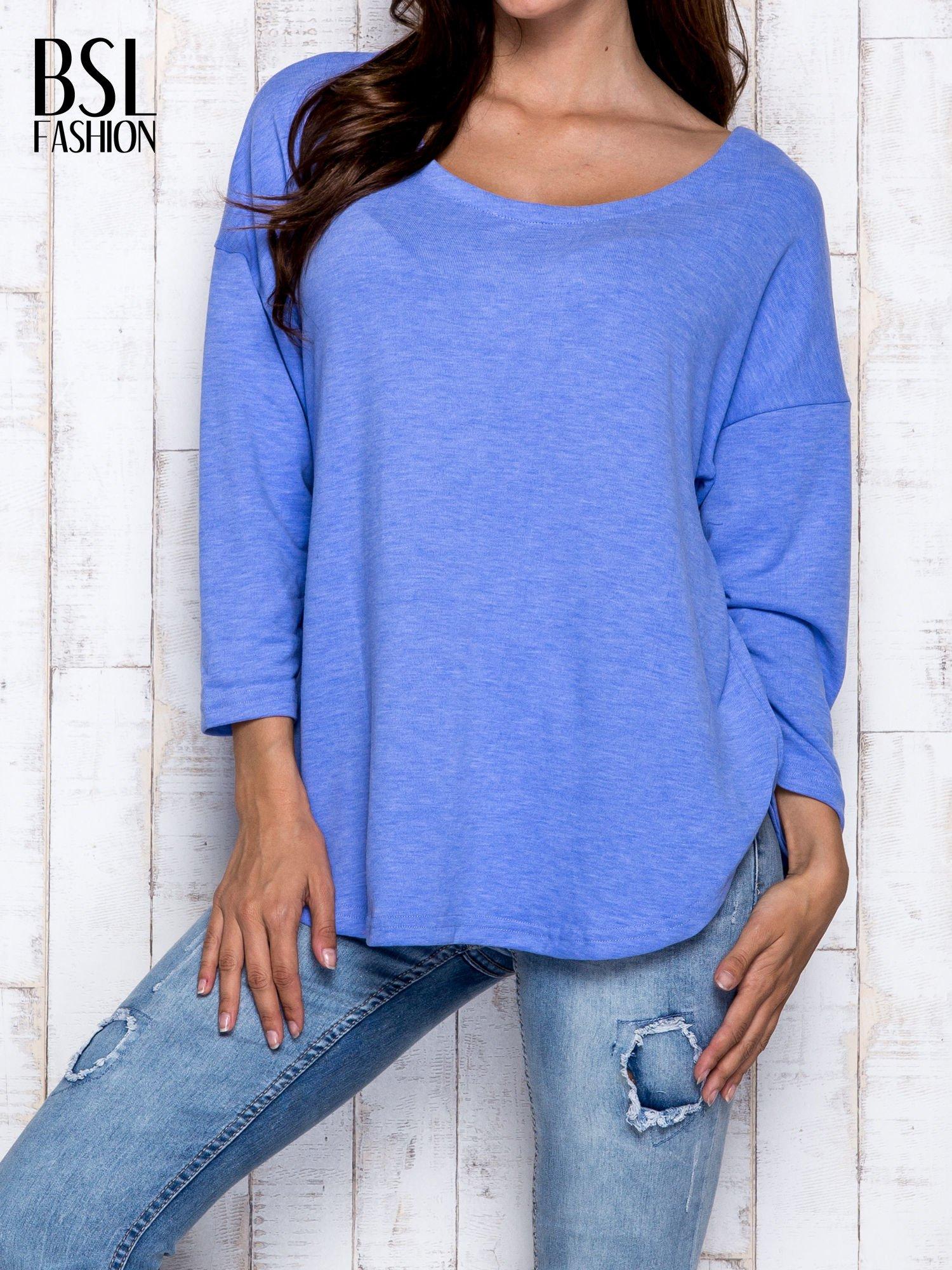Niebieska melanżowa bluzka z dekoltem na plecach                                  zdj.                                  1