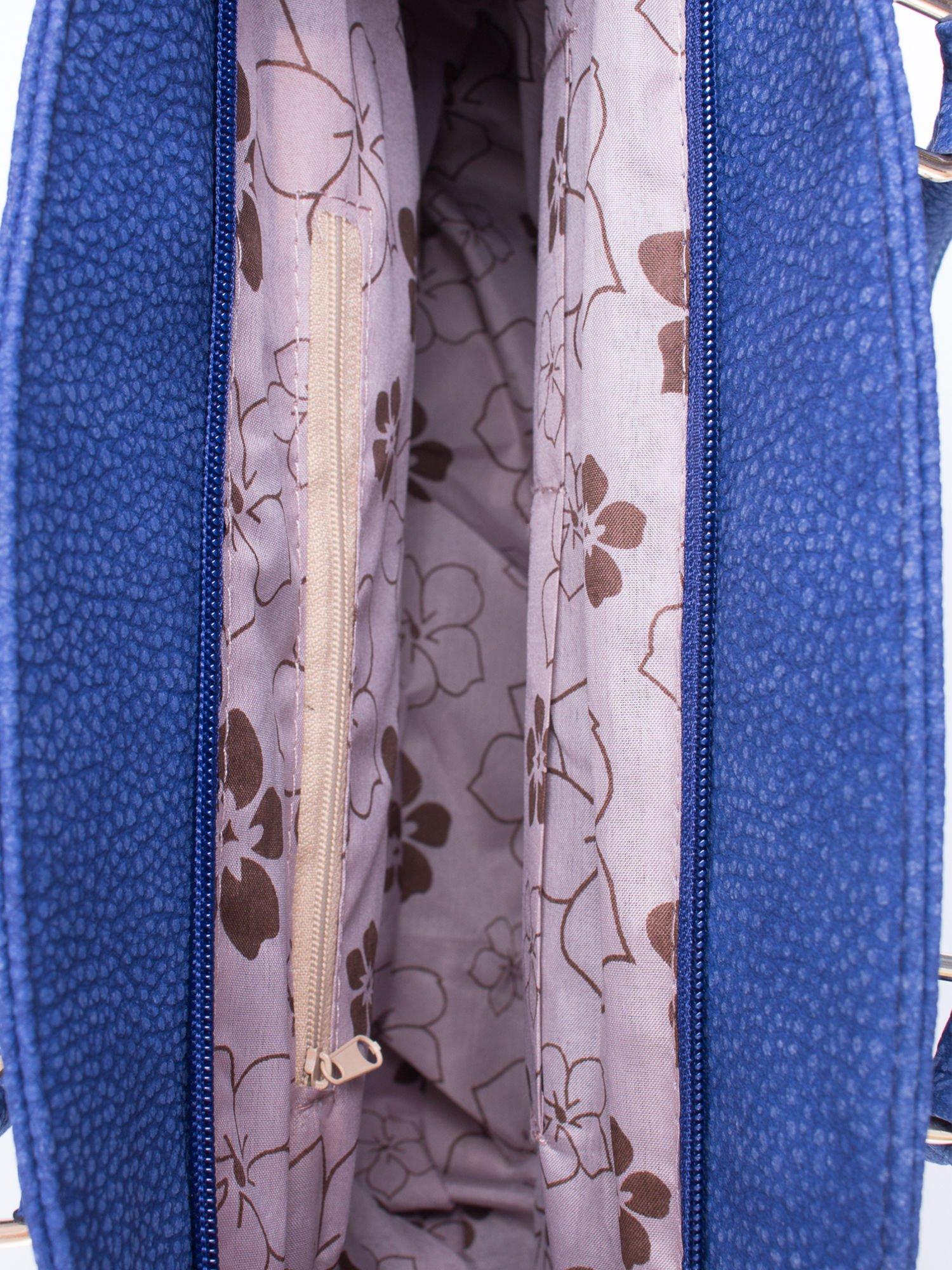 Niebieska miejska torba z czarną lamówką                                  zdj.                                  5