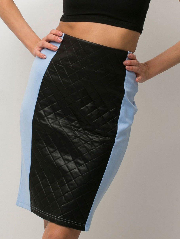 Niebieska spódnica ołówkowa ze wstawką z pikowanej skóry                                  zdj.                                  3