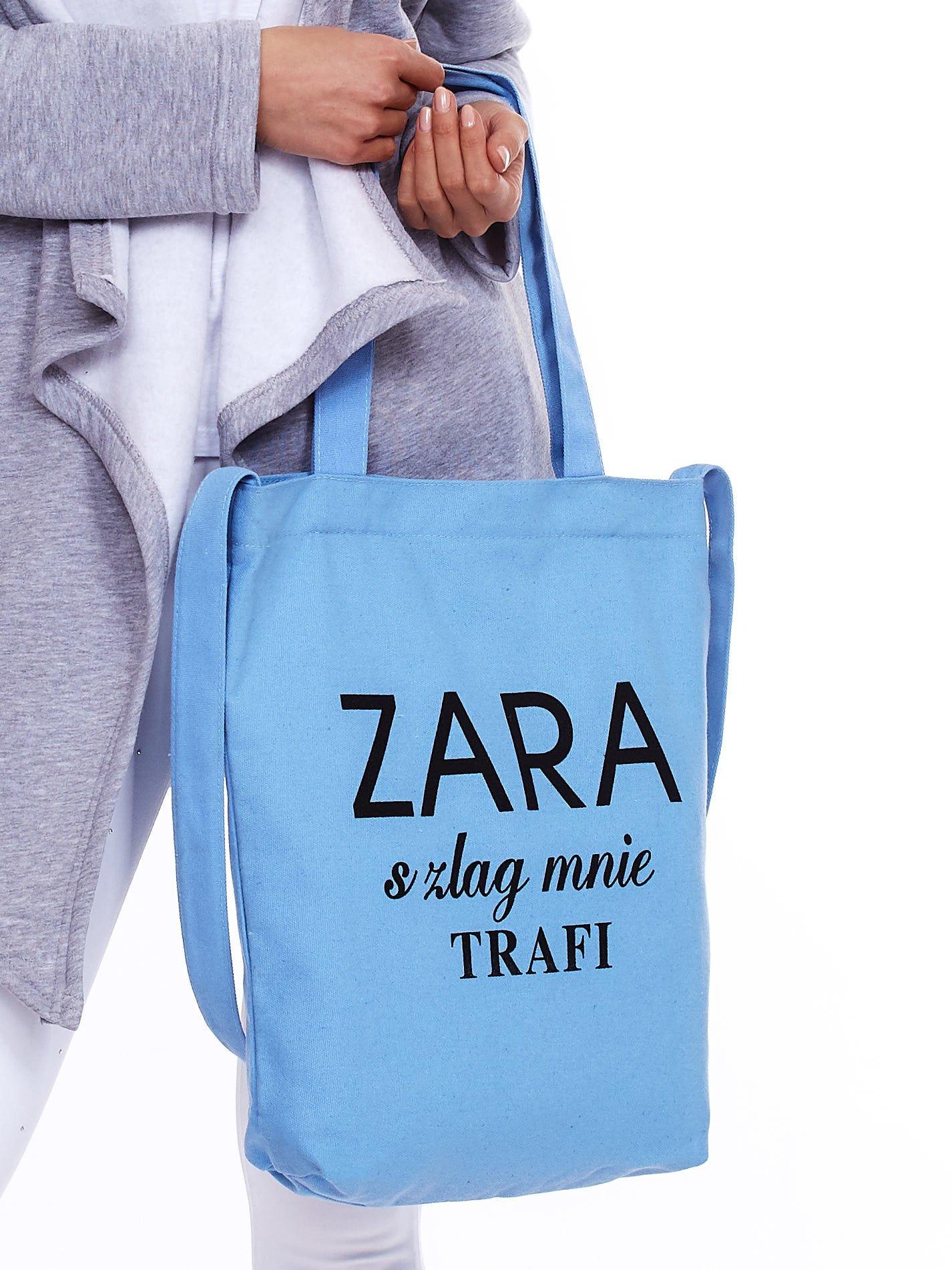 4ea9f9defff84 Niebieska torba materiałowa ZARA SZLAG MNIE TRAFI - Akcesoria torba ...