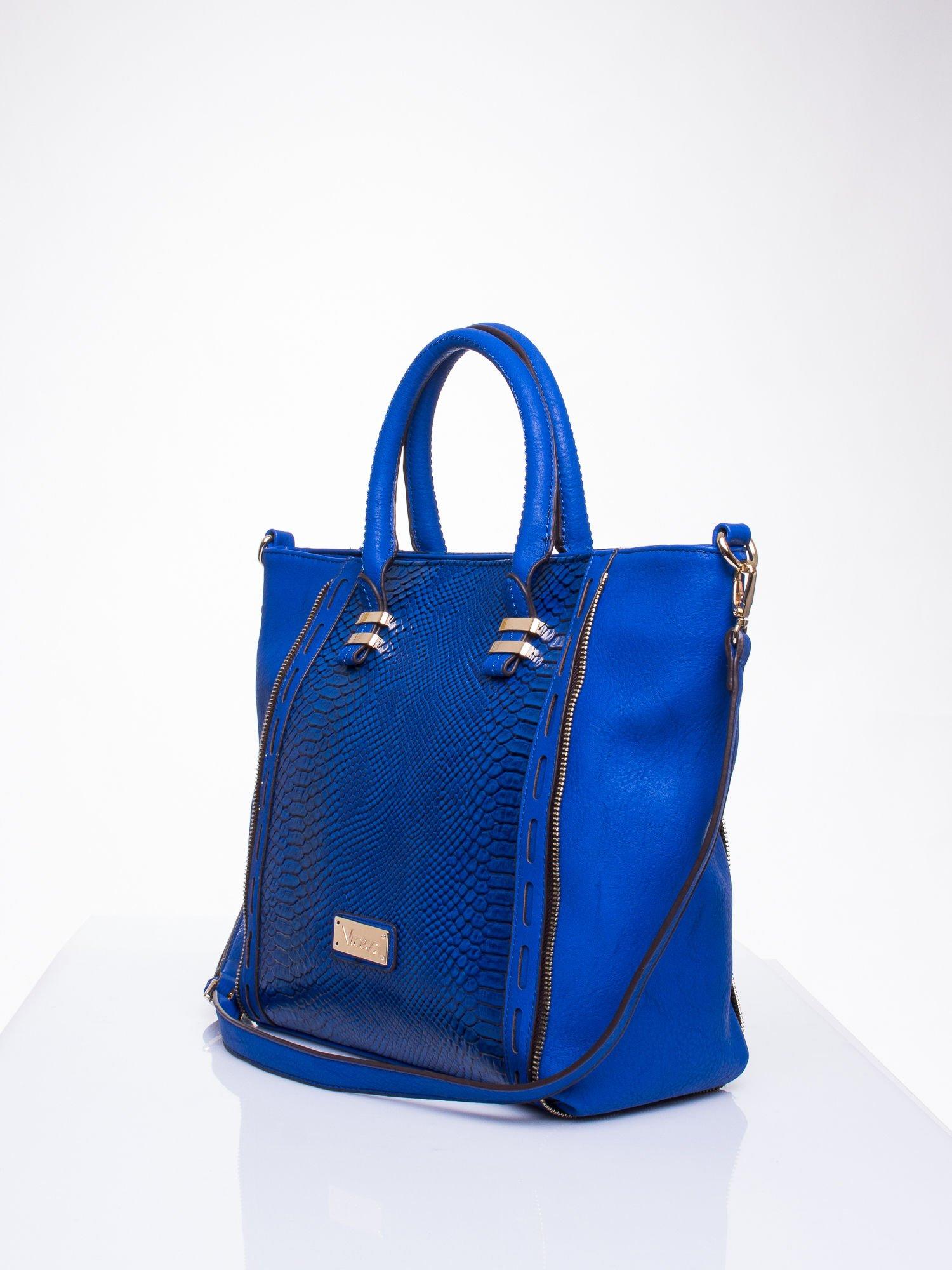 Niebieska torba shopper bag z wzorem skóry węża                                  zdj.                                  3