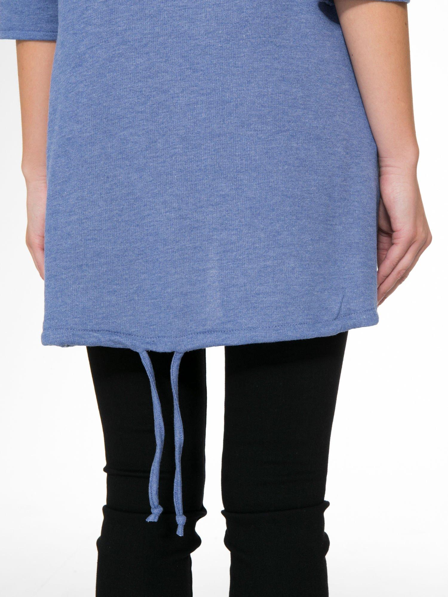 Niebieska tunika o kroju dzwonka wiązana z tyłu                                  zdj.                                  11
