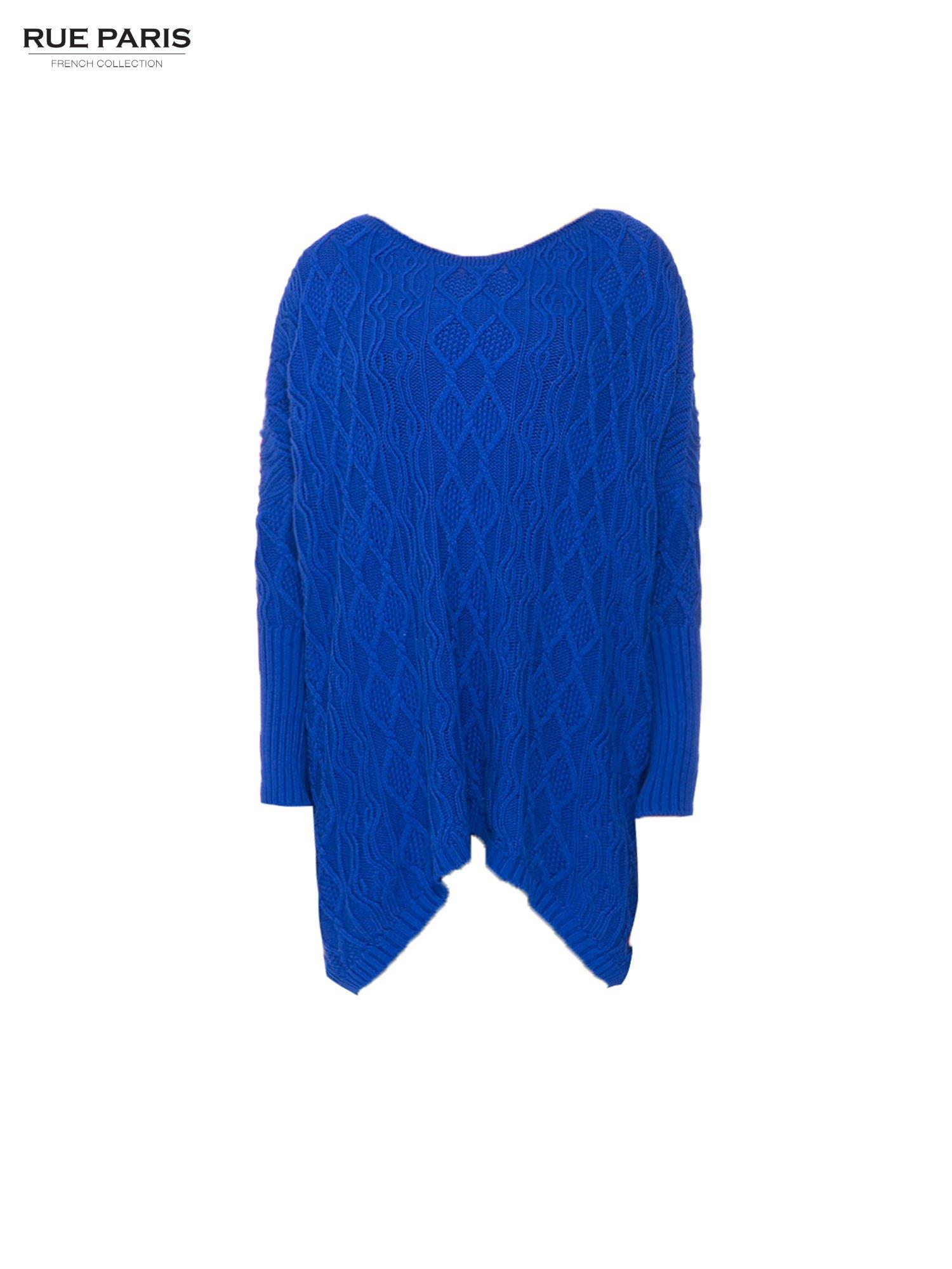 Niebieski dziergany długi sweter o kroju oversize                                  zdj.                                  5