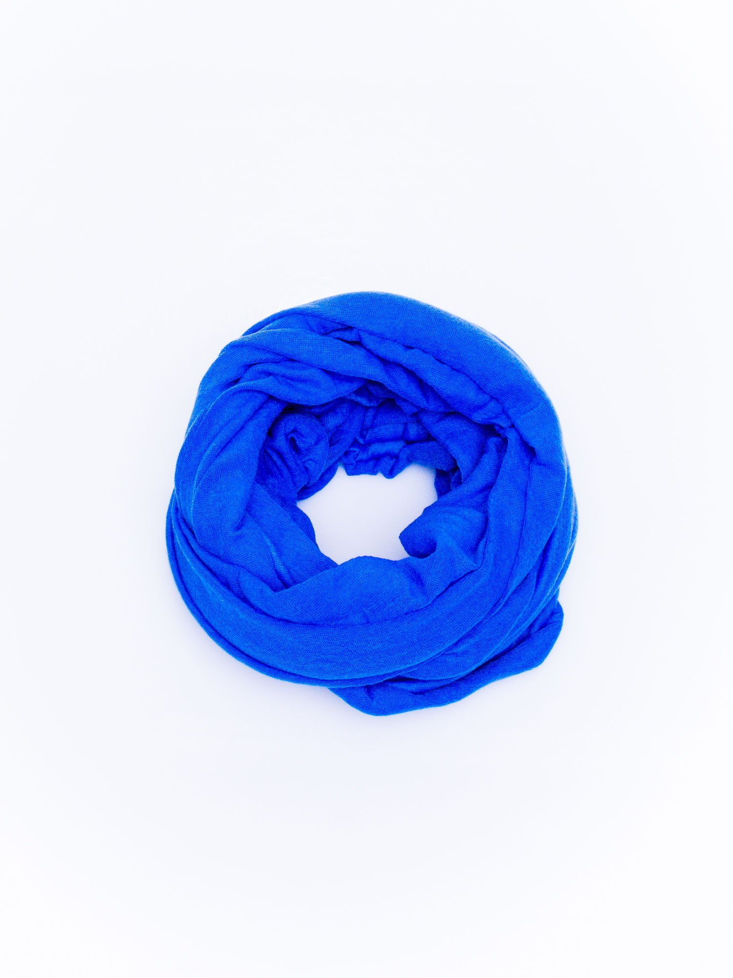 Niebieski gładki komin                                  zdj.                                  2