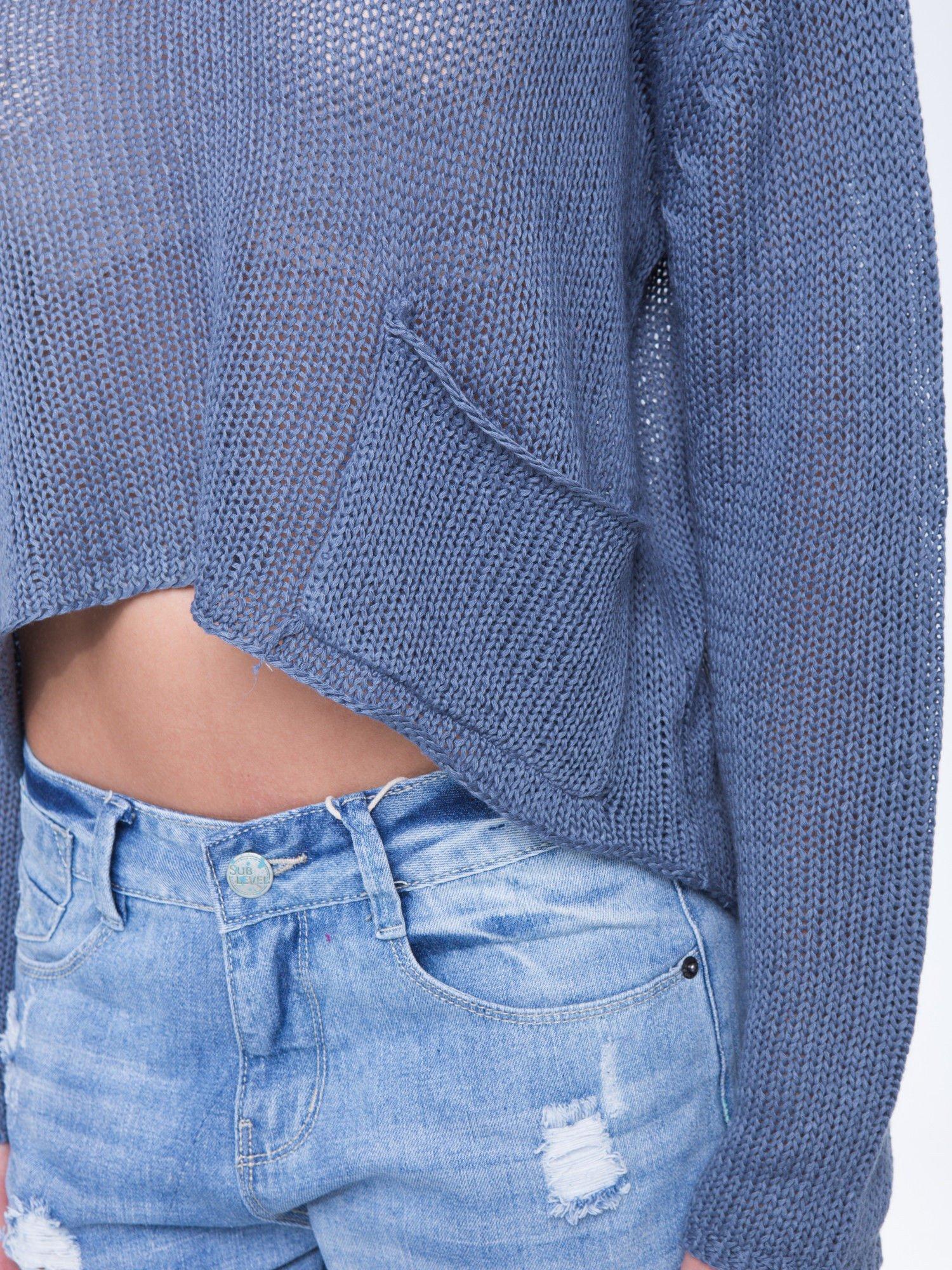 Niebieski siatkowy sweter typu crop top                                  zdj.                                  5