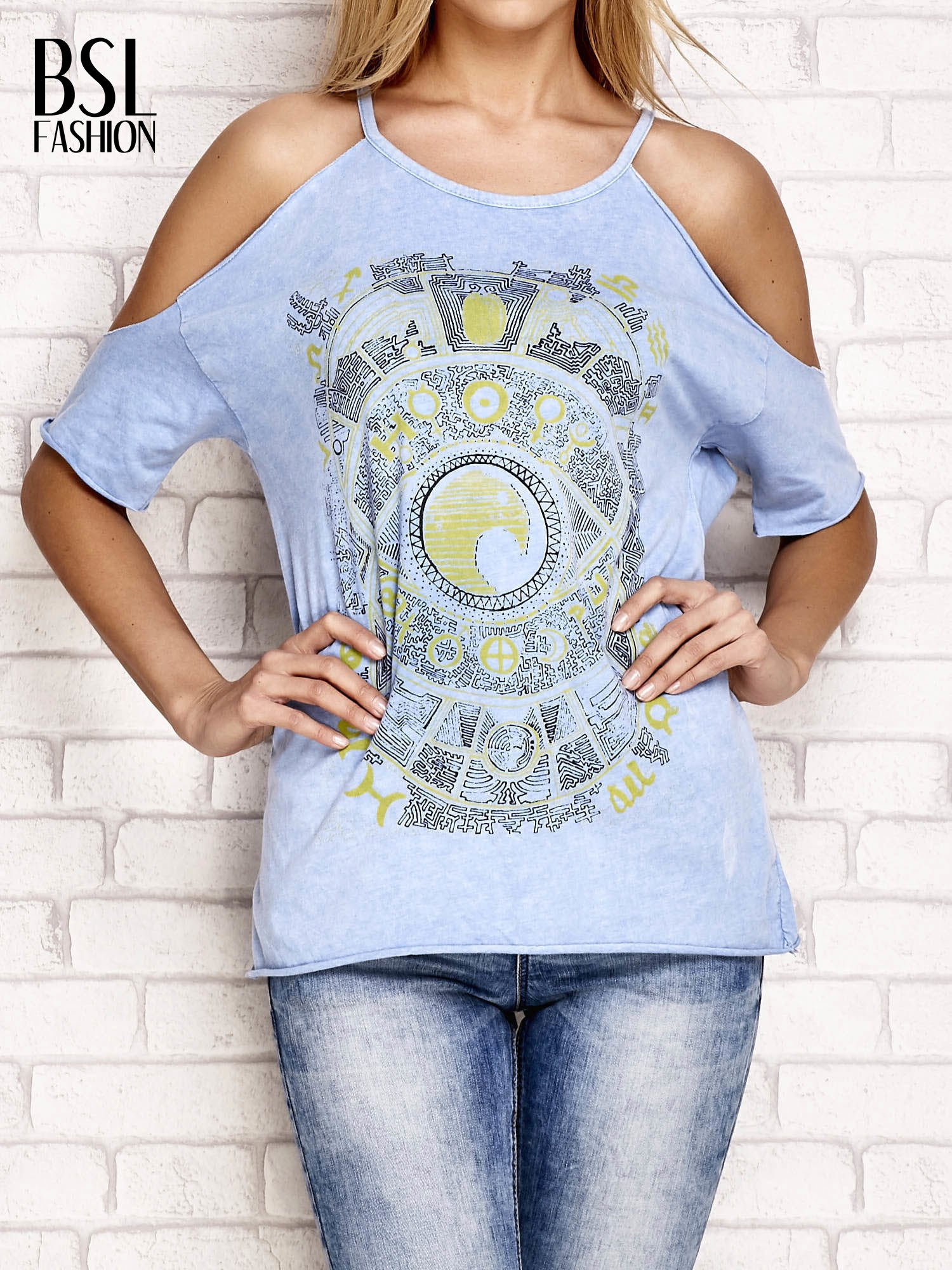 Niebieski t-shirt cut out shoulder z azteckim nadrukiem                                  zdj.                                  1