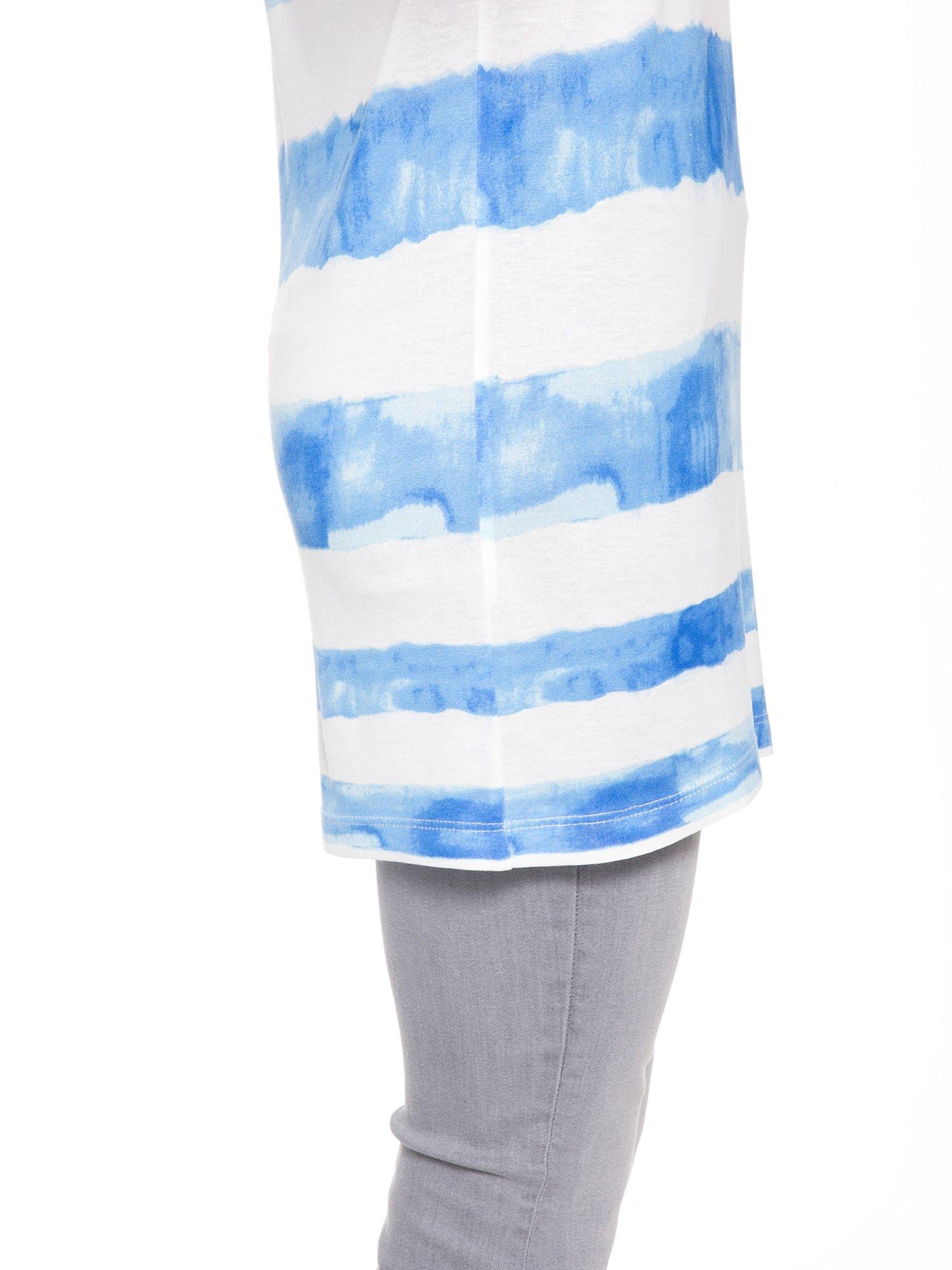 Niebieski t-shirt w paski tie-dye                                  zdj.                                  9