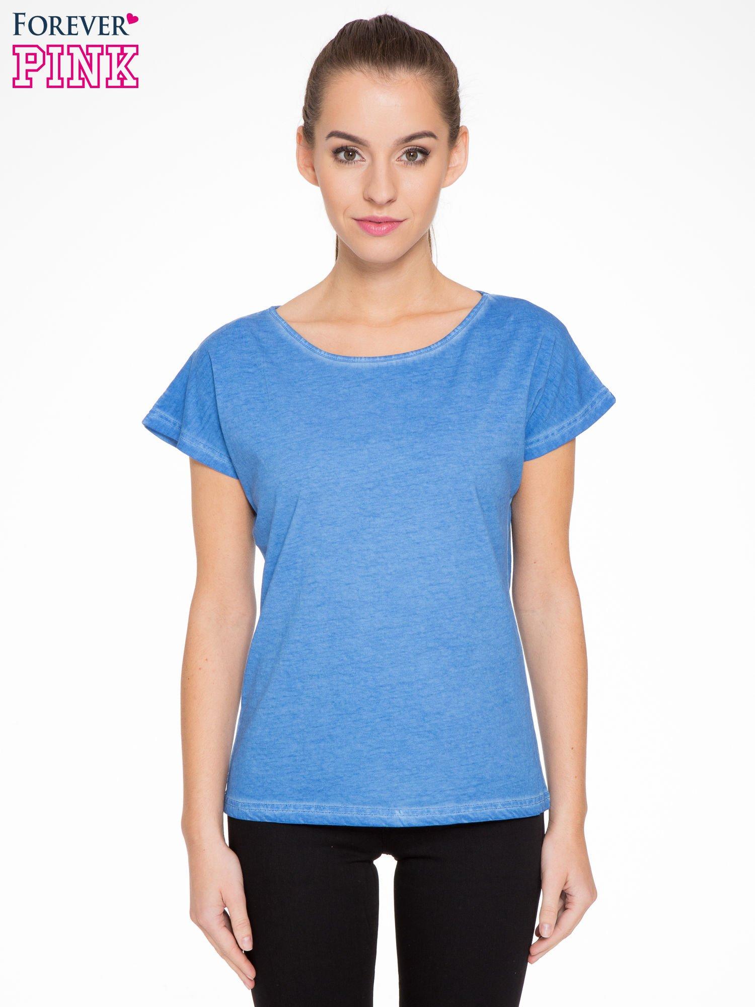 Niebieski t-shirt z dekatyzowanym efektem                                  zdj.                                  1