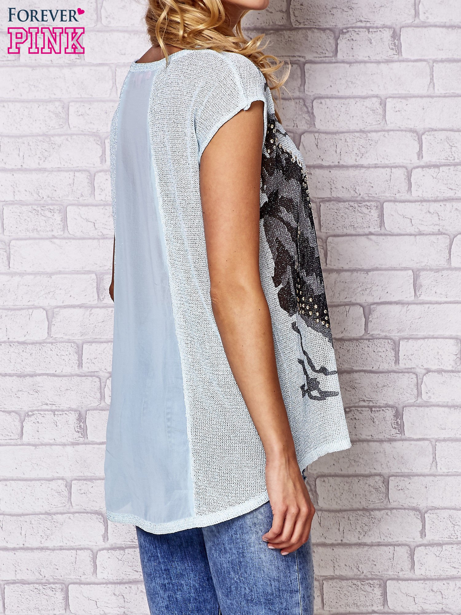 Niebieski t-shirt z nadrukiem motyla                                  zdj.                                  4