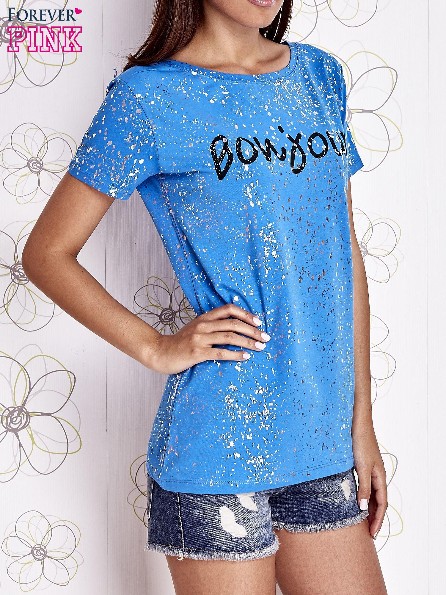 Niebieski t-shirt z napisem BONJOUR                                  zdj.                                  1