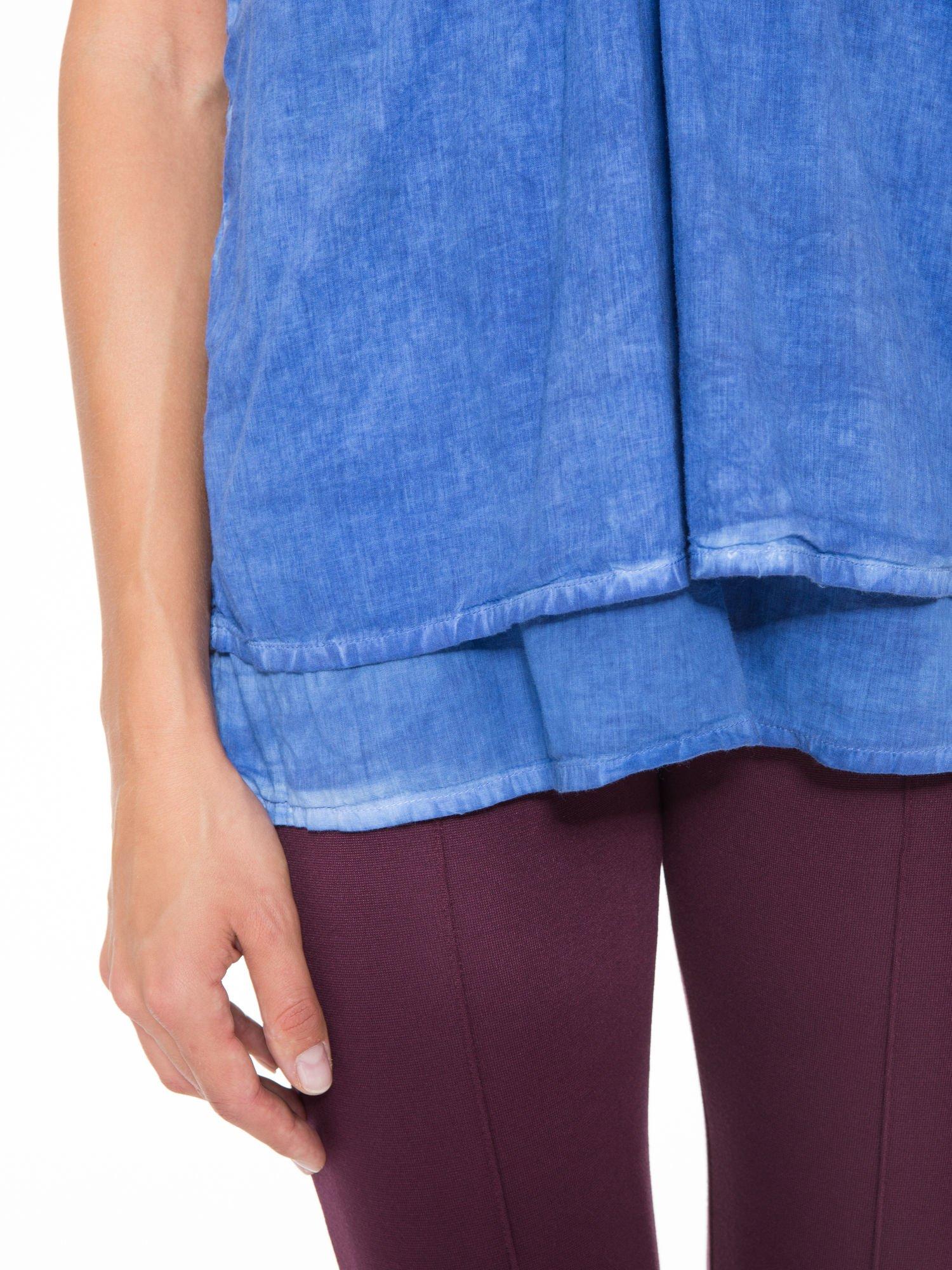 Niebieski top na ramiączkach w stylu etno                                  zdj.                                  8