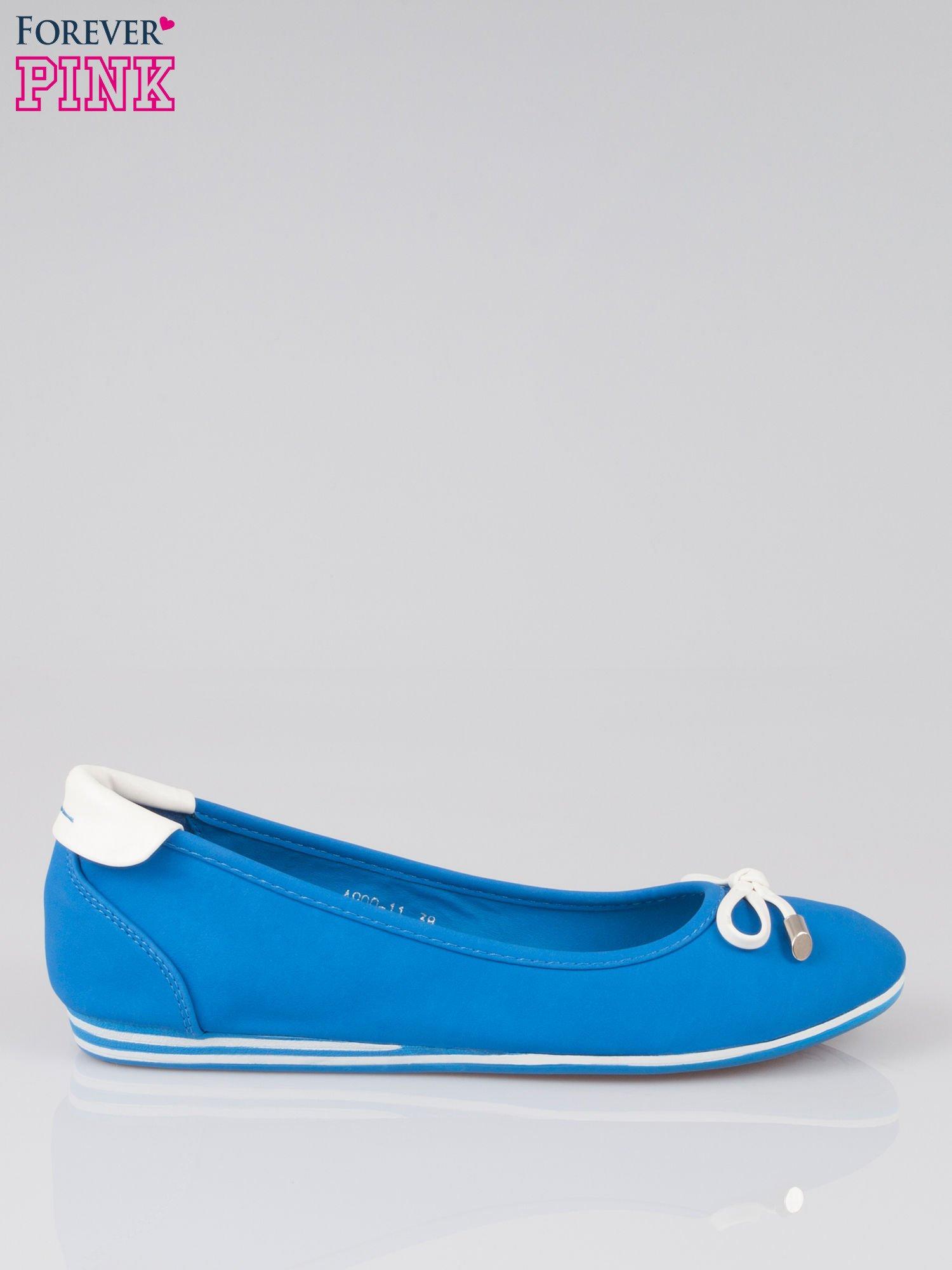 Niebieskie baleriny Blue Sky z białą kokardką                                  zdj.                                  1