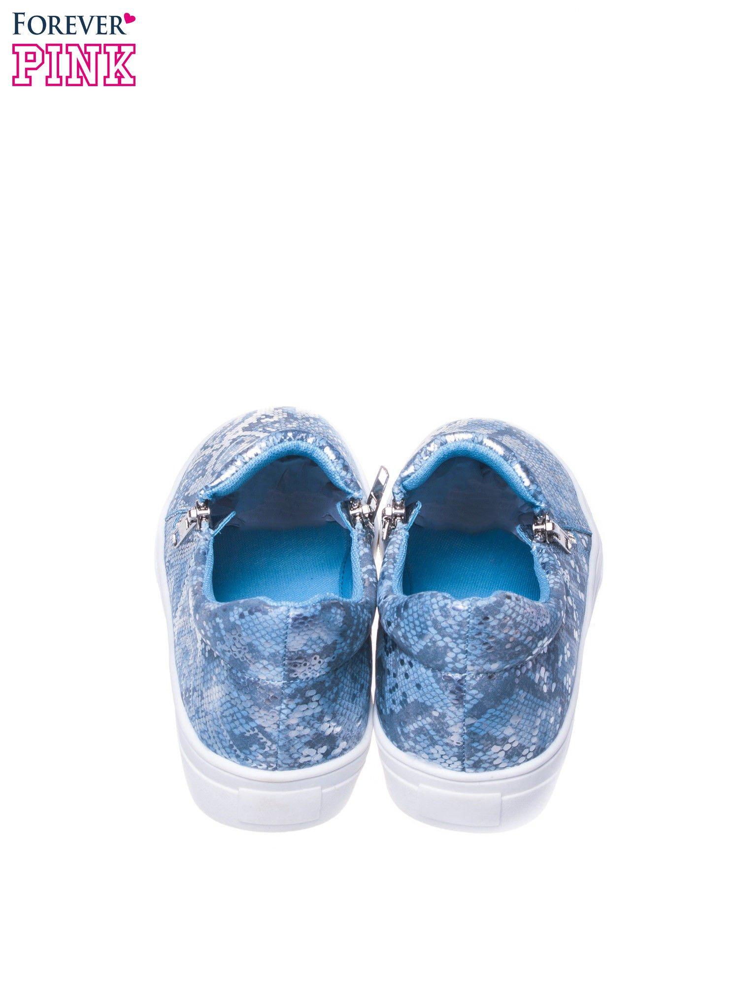 Niebieskie buty slip on ze skóry węża                                  zdj.                                  3