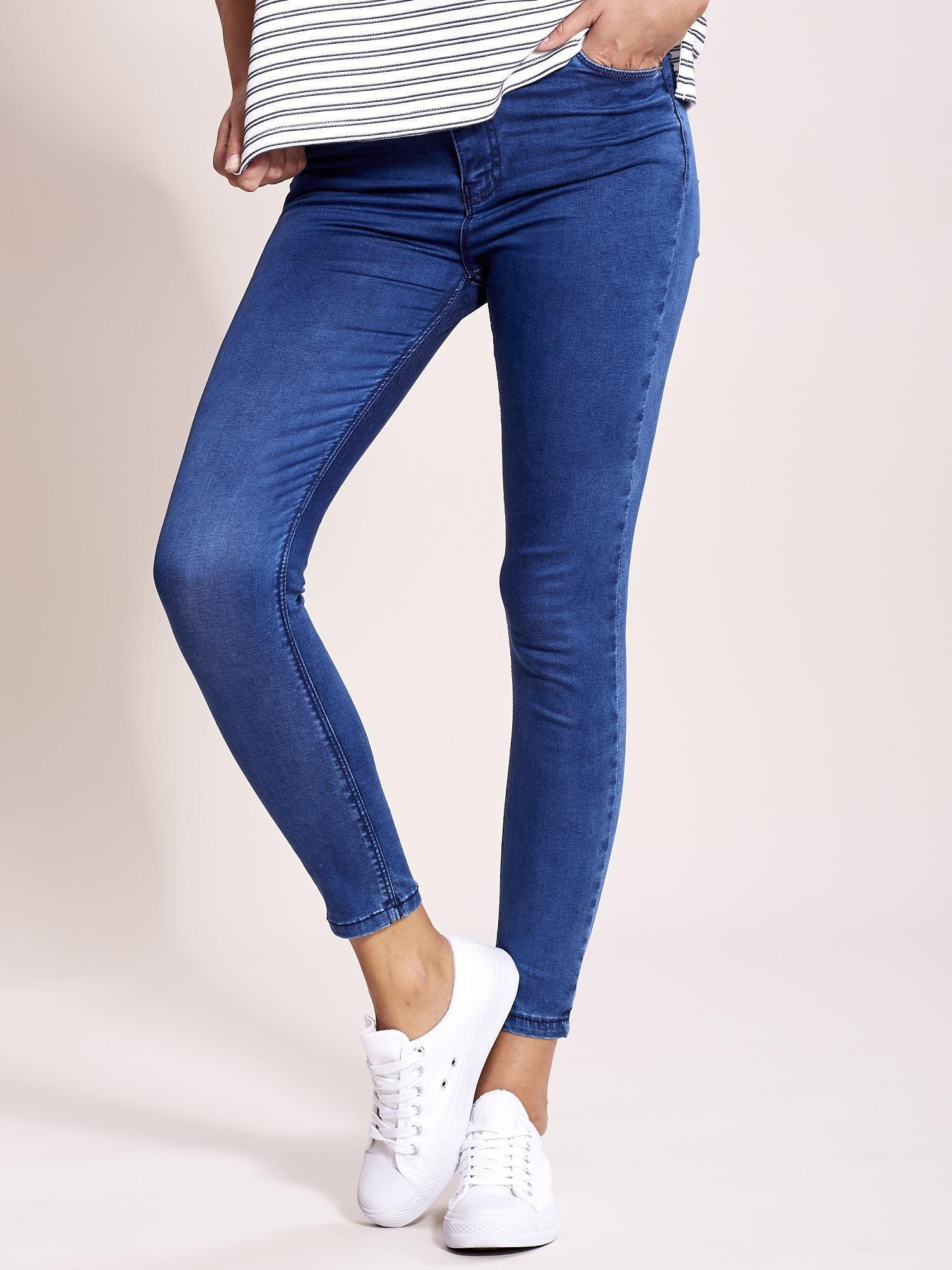 ed62d266a9186c Niebieskie jeansy slim fit z wysokim stanem - Spodnie jeansowe ...