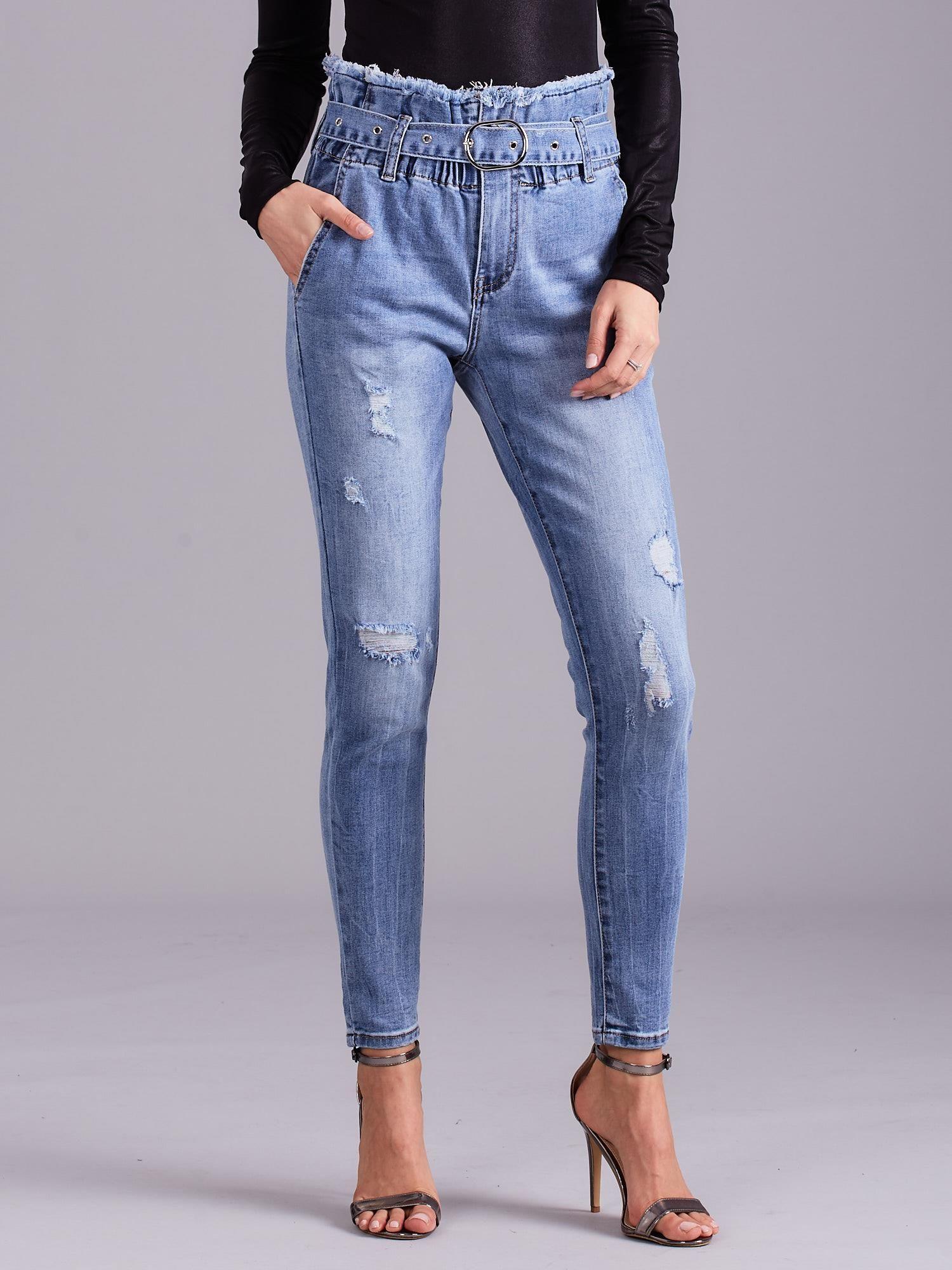 01fe1cbc02e303 Niebieskie jeansy z wysokim stanem i paskiem - Spodnie jeansowe ...