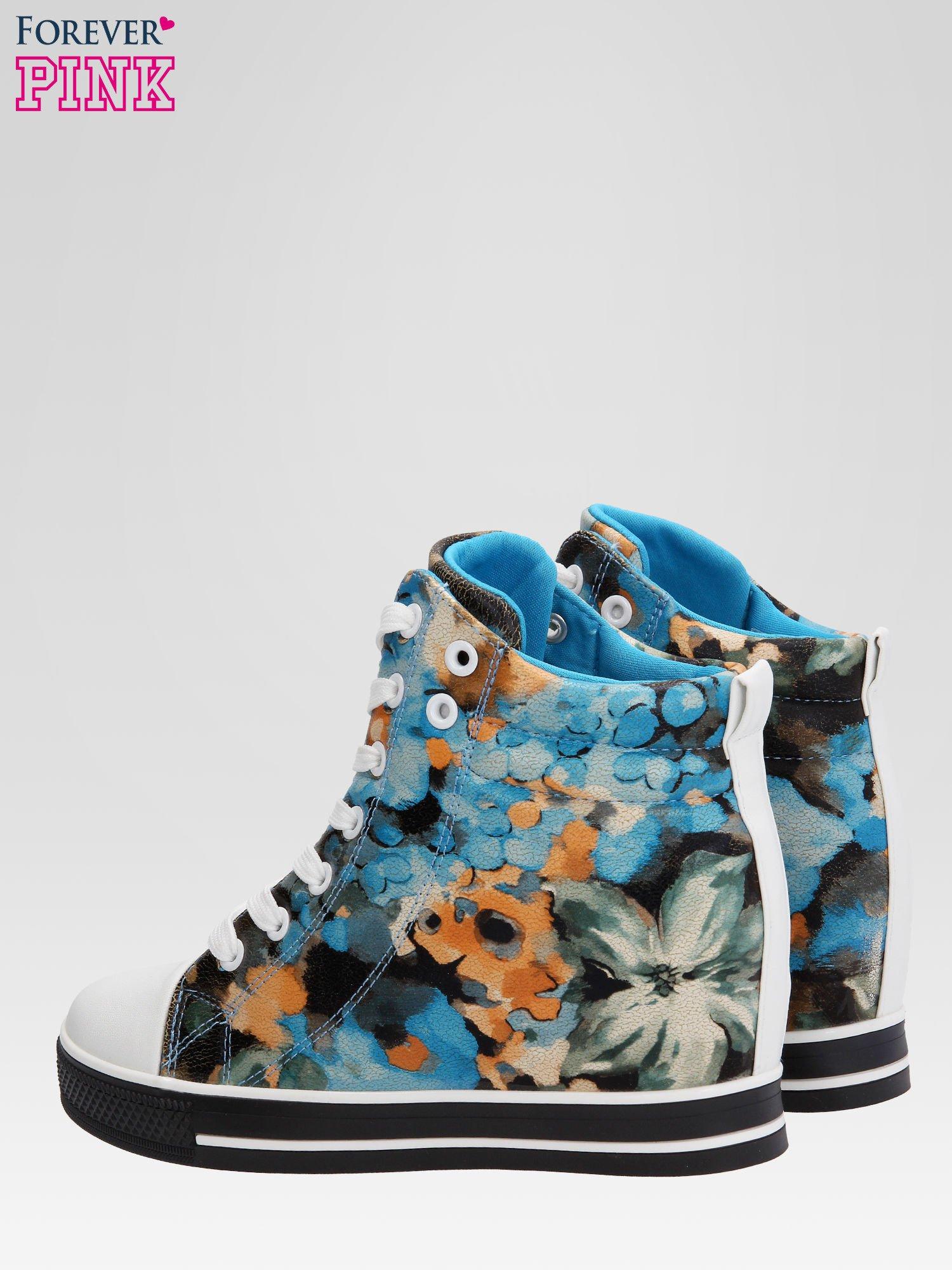 Niebieskie kwiatowe sneakersy                                  zdj.                                  5
