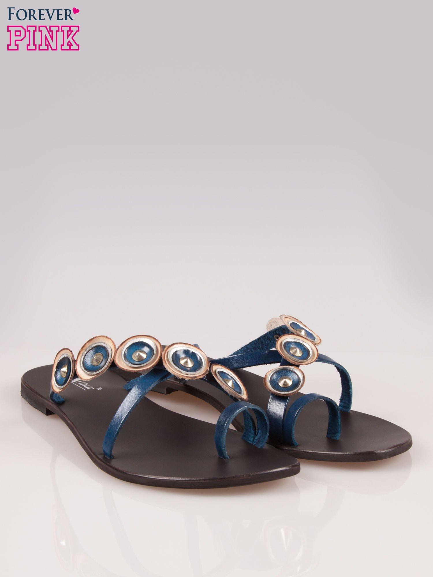 Niebieskie skórzane klapki japonki w stylu etno                                  zdj.                                  2