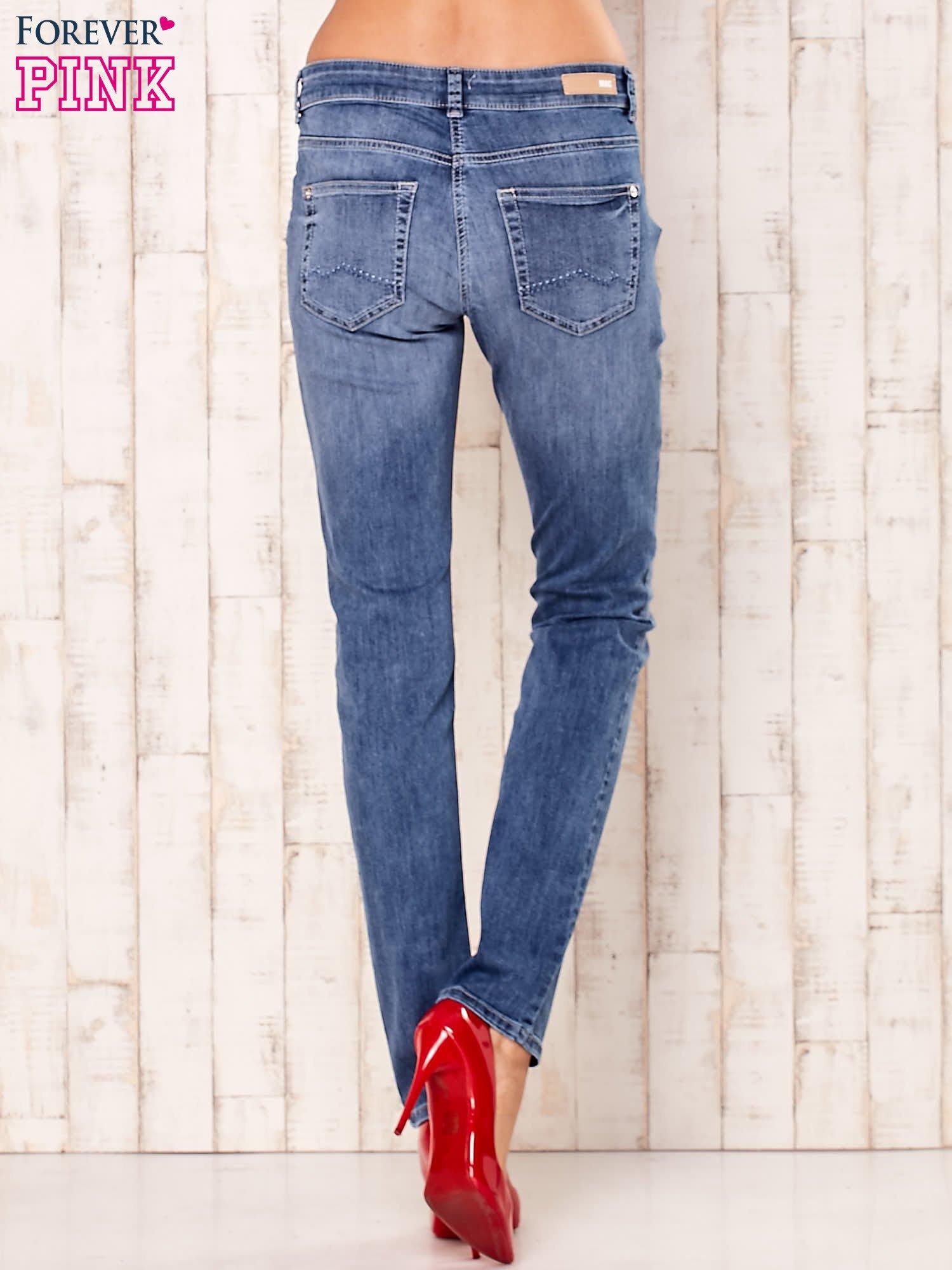 Niebieskie spodnie jeansowe z prostymi nogawkami                                  zdj.                                  3