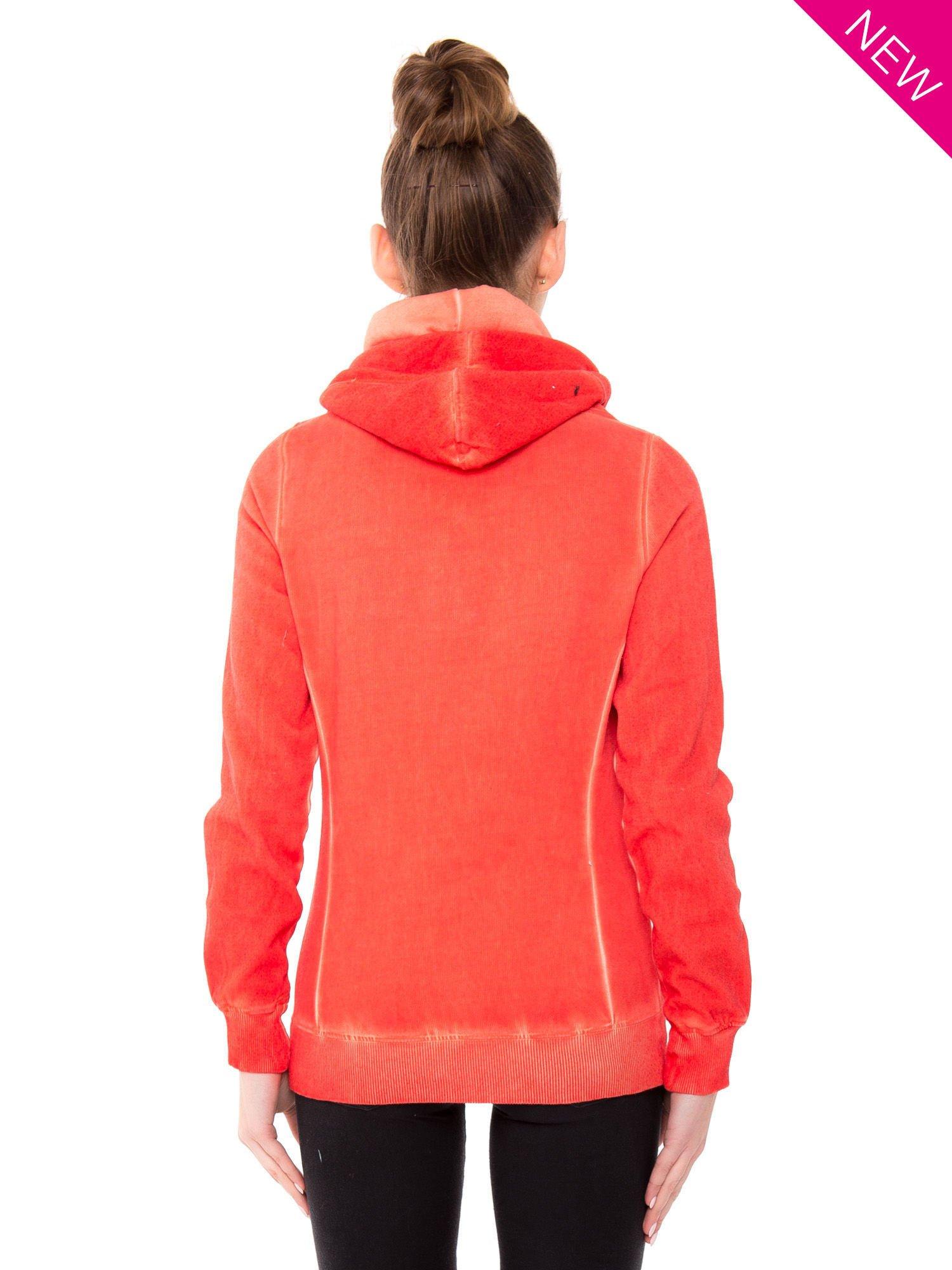 Pomarańczowa bluza z kapturem z efektem sprania                                  zdj.                                  2