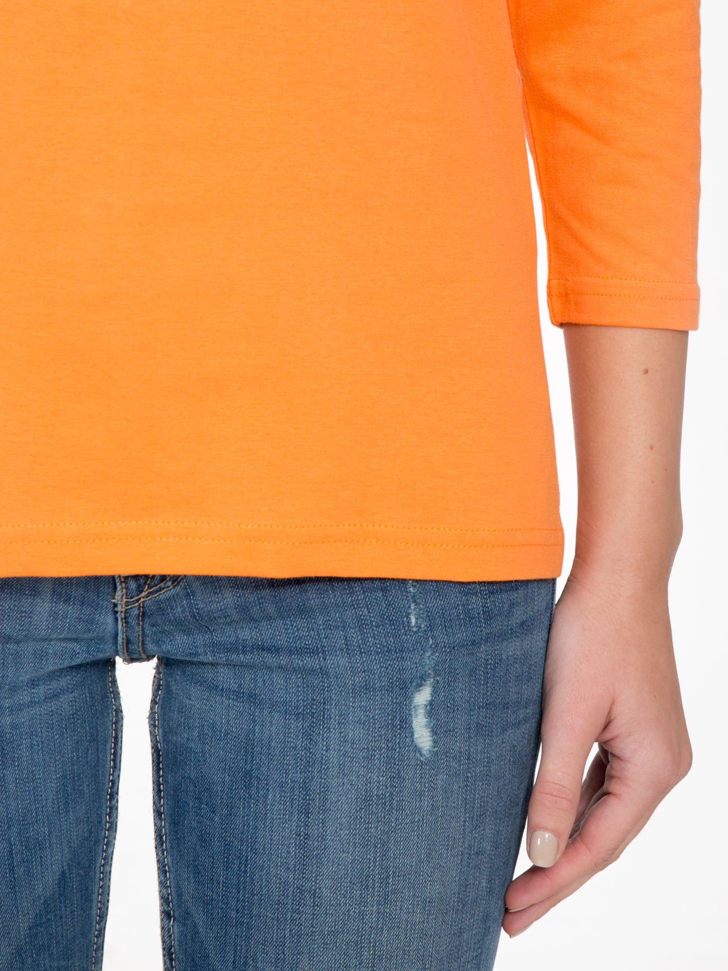 Pomarańczowa bluzka z marszczonym dekoltem i rękawkami 3/4                                  zdj.                                  6