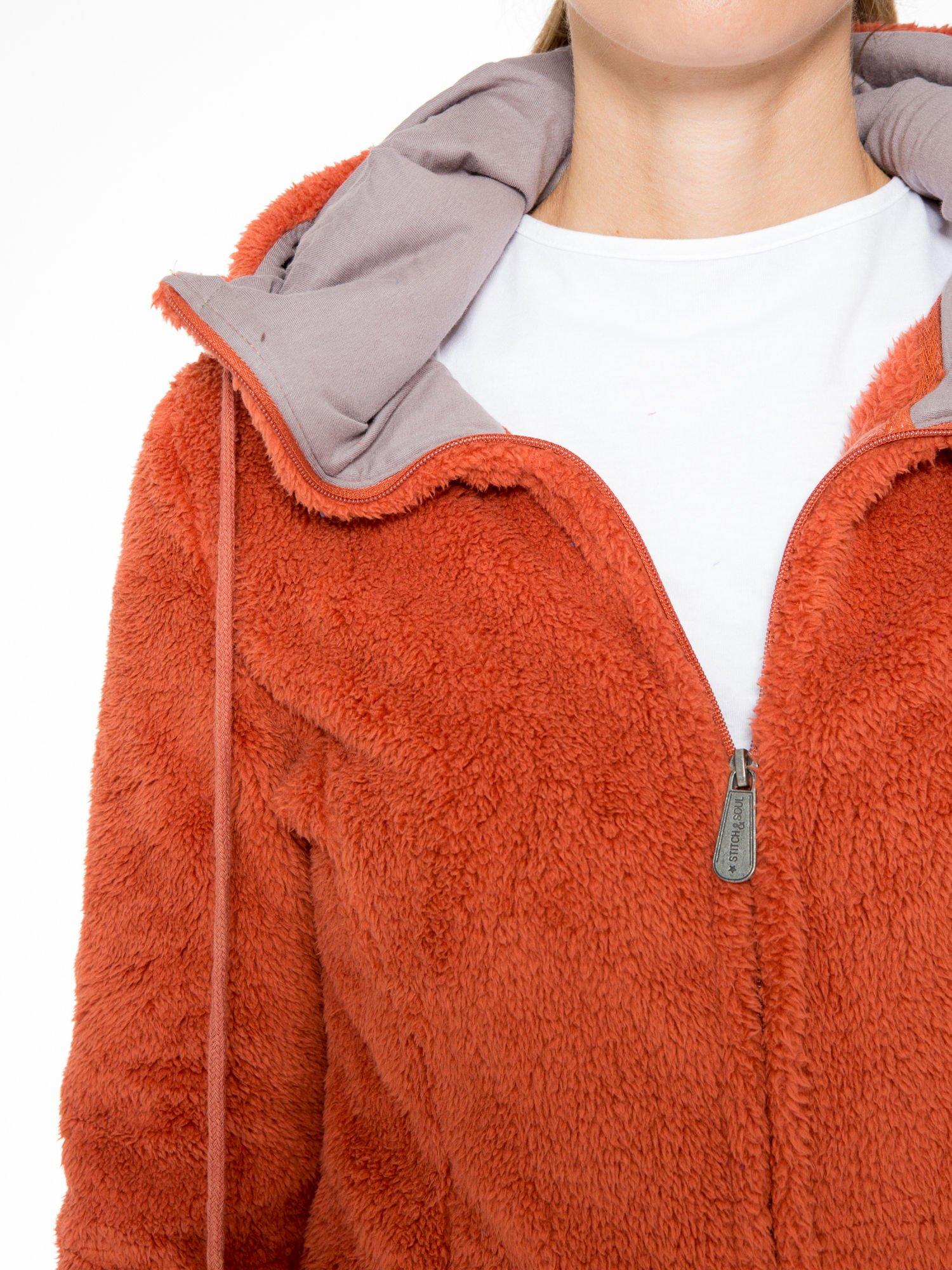 Pomarańczowa polarowa bluza miś z kapturem z uszkami i pomponami                                  zdj.                                  7