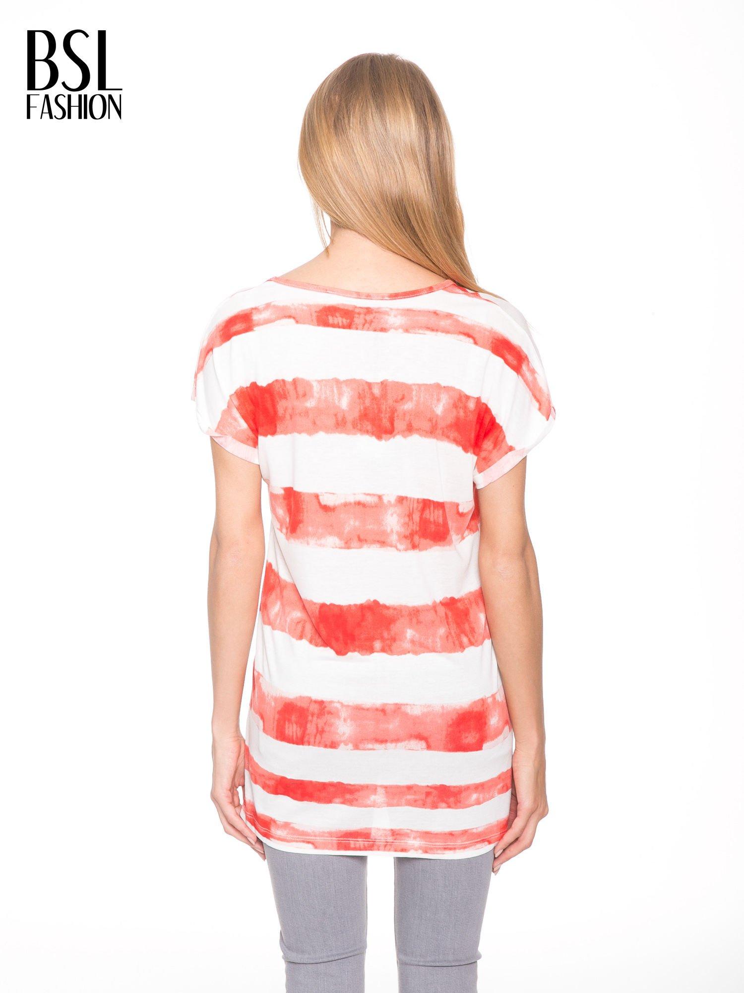 Pomarańczowy t-shirt w paski tie-dye                                  zdj.                                  4