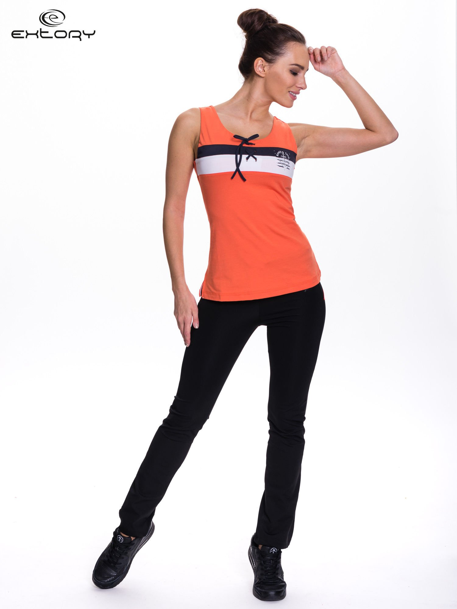 Pomarańczowy top sportowy z wiązaniem w stylu marynarskim                                  zdj.                                  2