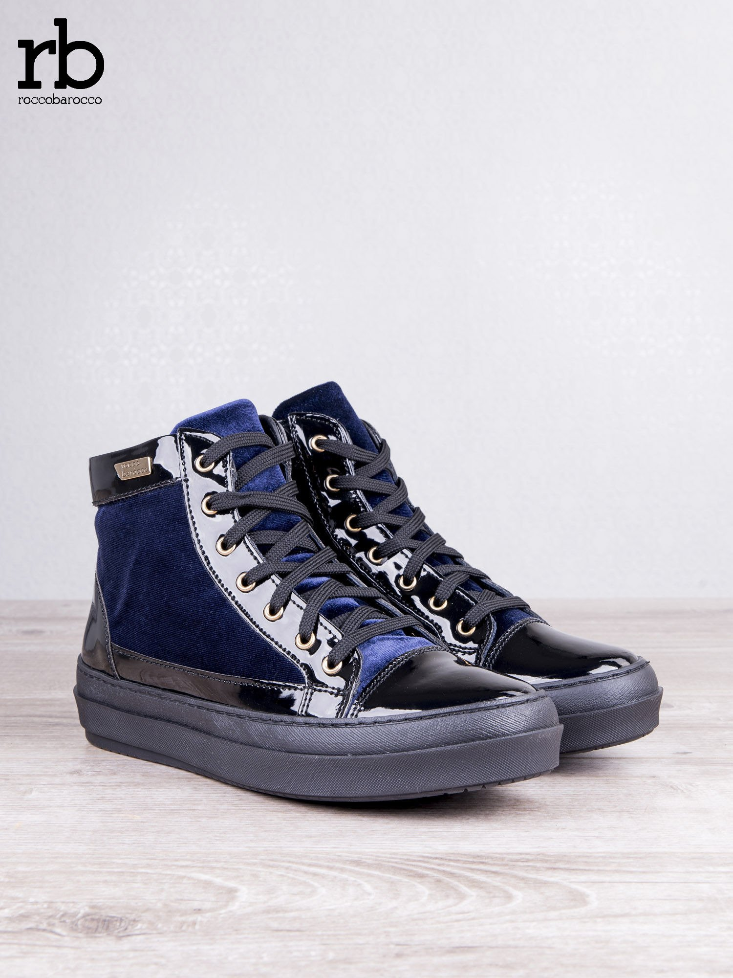 ROCCOBAROCCO granatowe welurowe sneakersy dual style z lakierowanymi wstawkami                                   zdj.                                  5