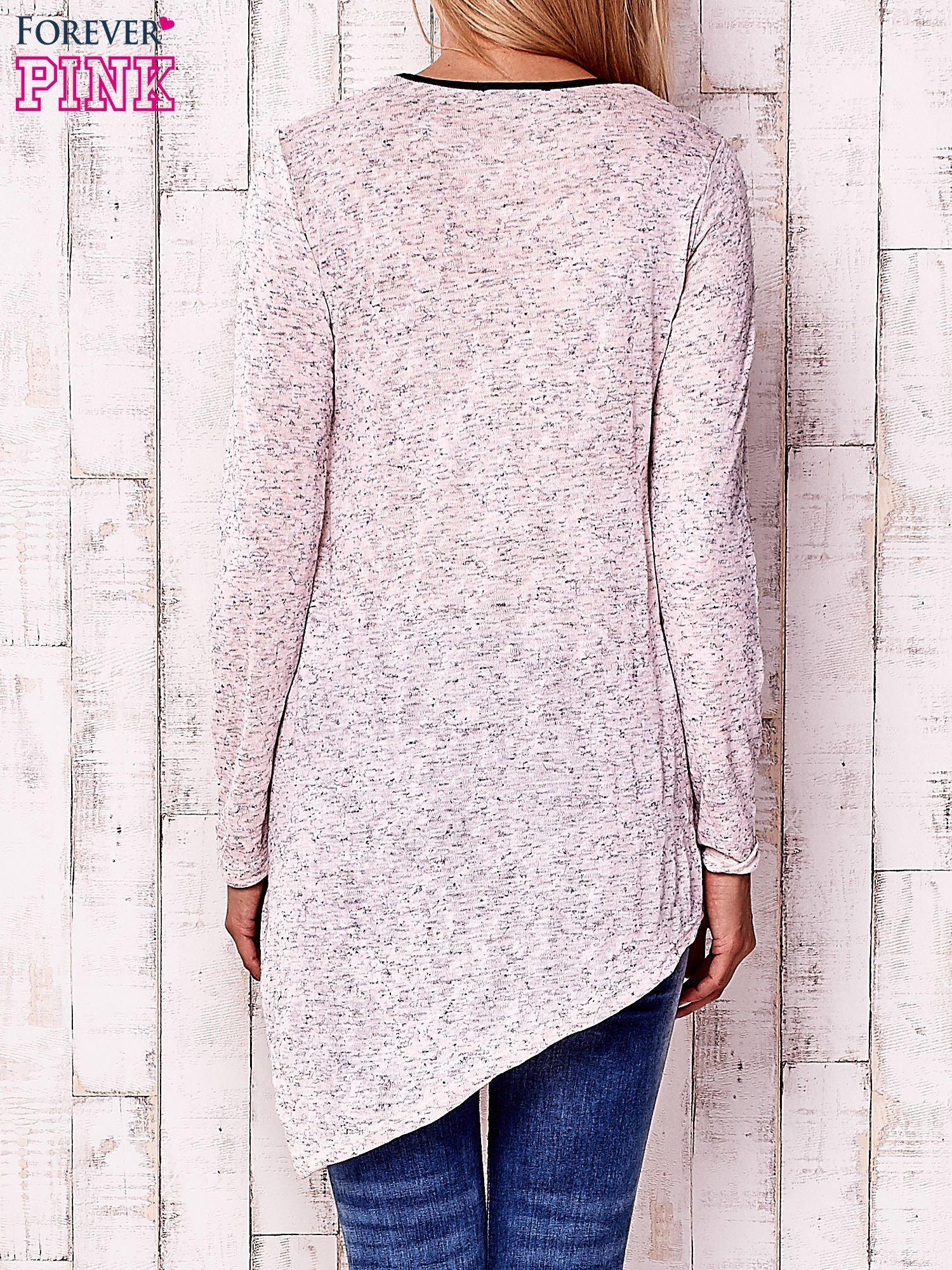 Różowa asymetryczna bluzka z ciemniejszą nitką                                  zdj.                                  4