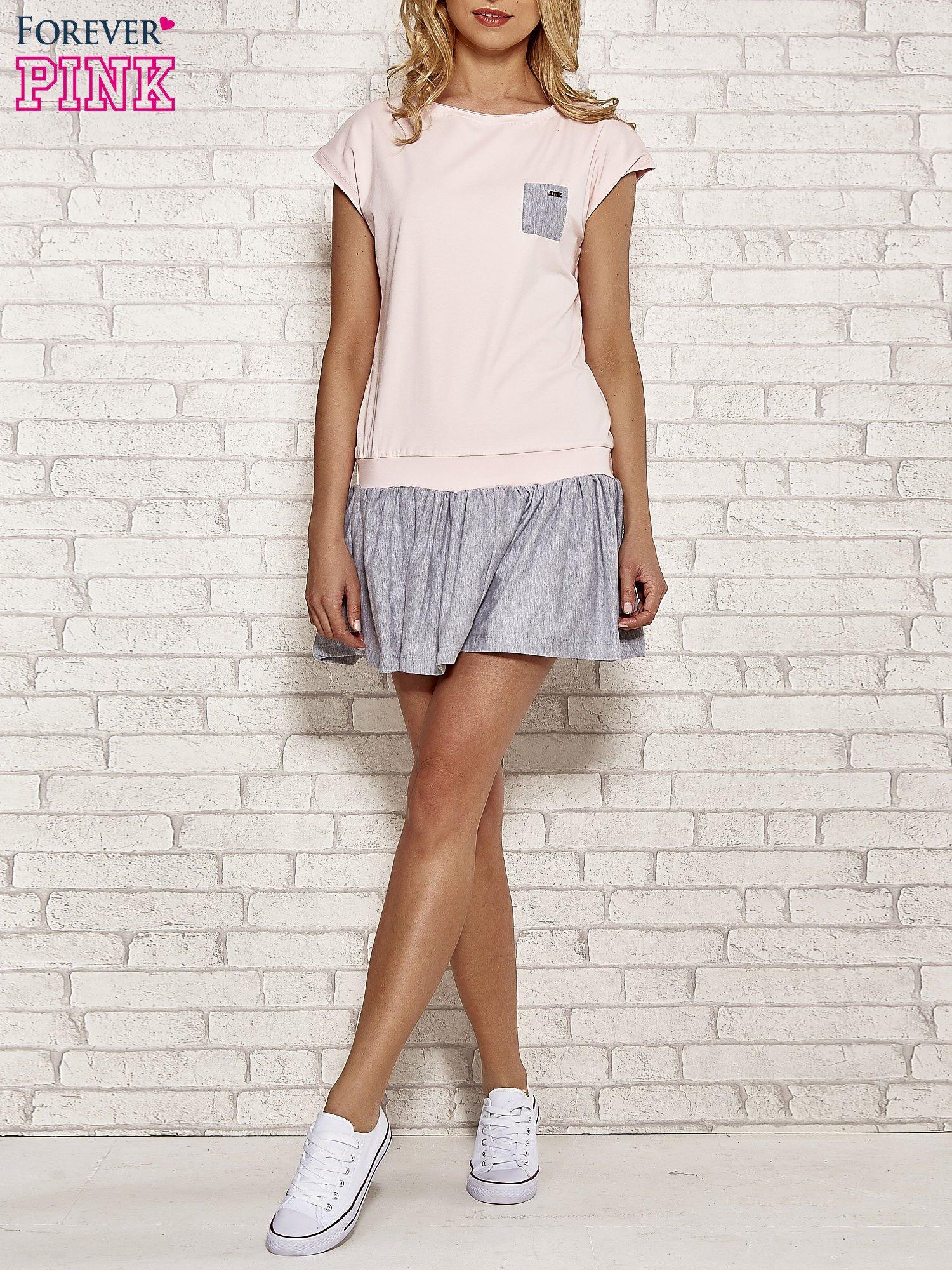 Różowa dresowa sukienka tenisowa z kieszonką                                  zdj.                                  2
