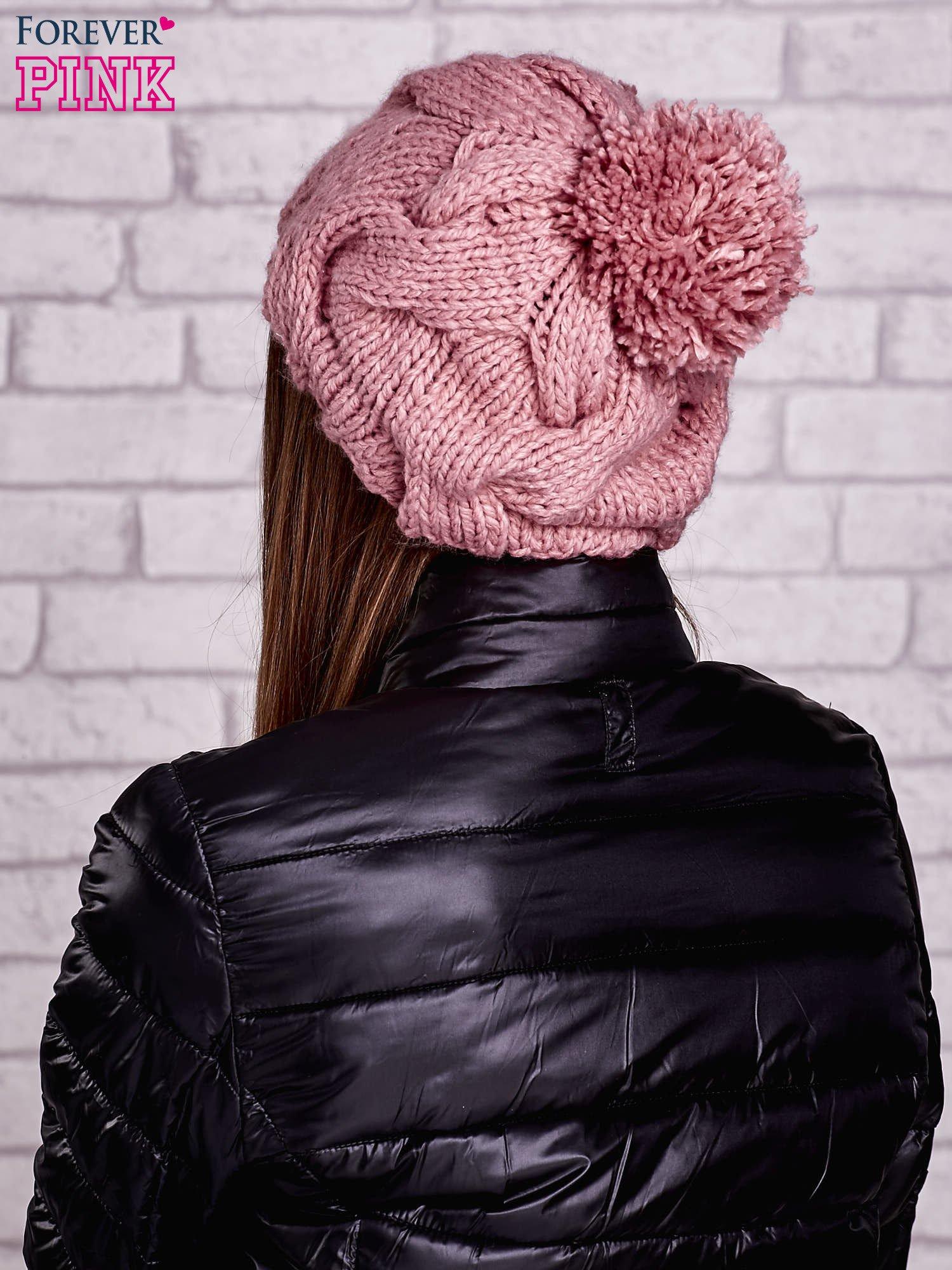 Różowa dziergana czapka z pomponem                                   zdj.                                  3