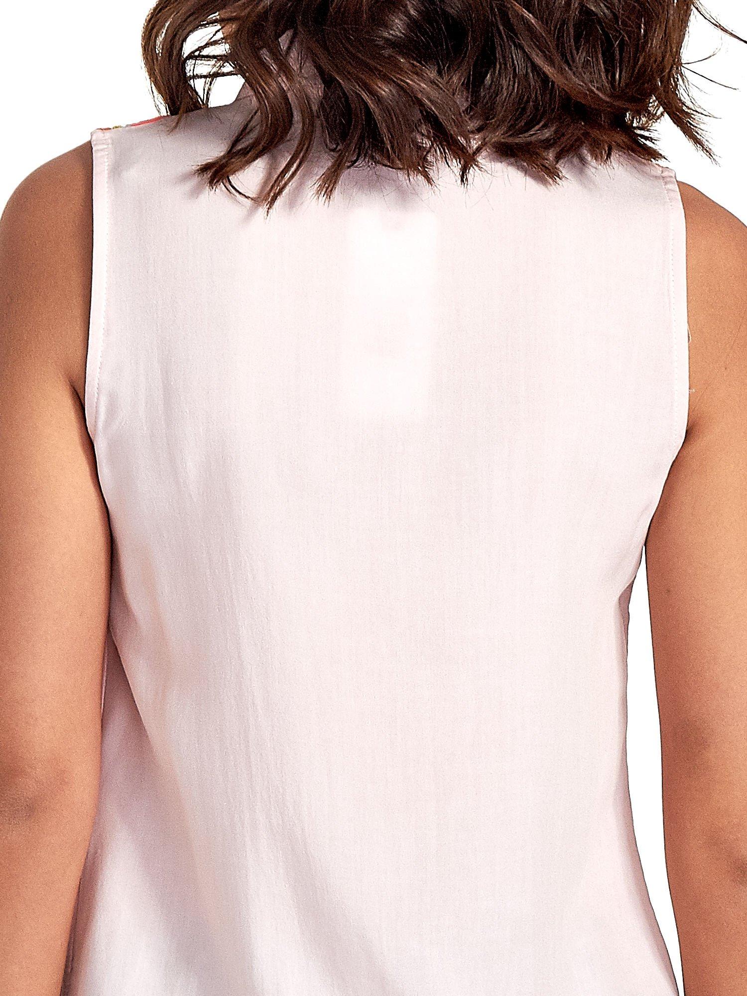 Różowa koszula bez rękawów z roślinnym haftem na górze                                  zdj.                                  6