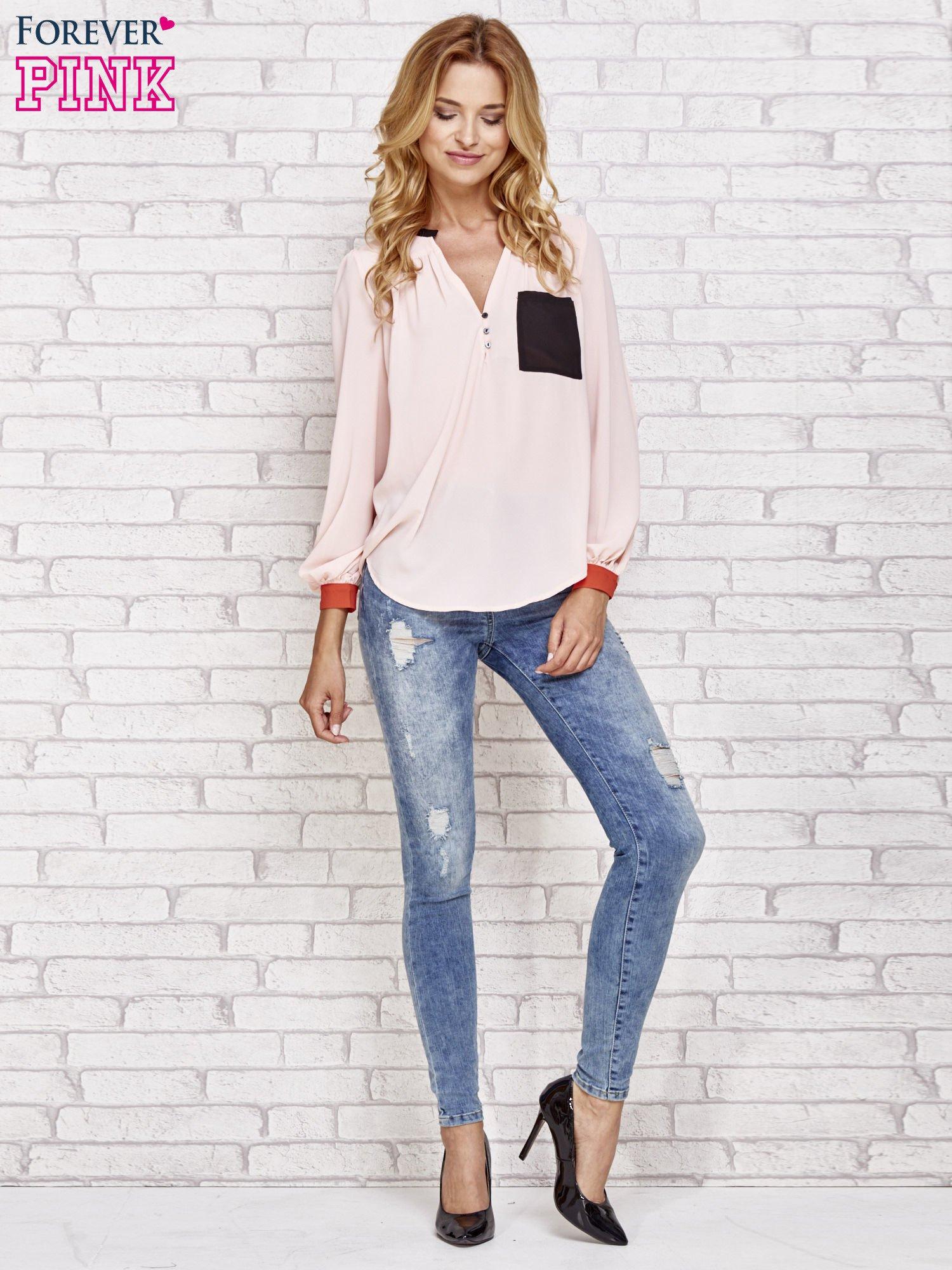 Różowa koszula z kontrastową kieszenią i mankietami                                  zdj.                                  2