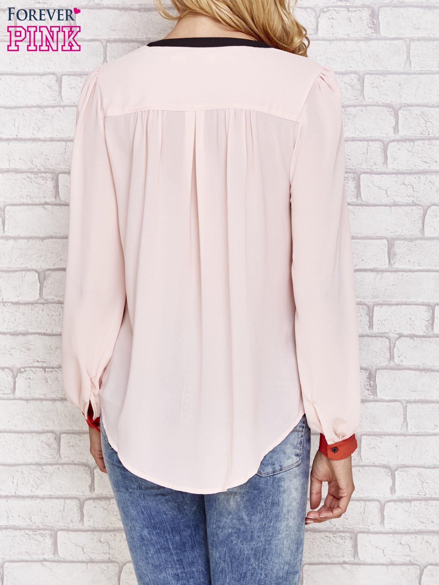 Różowa koszula z kontrastową kieszenią i mankietami                                  zdj.                                  4
