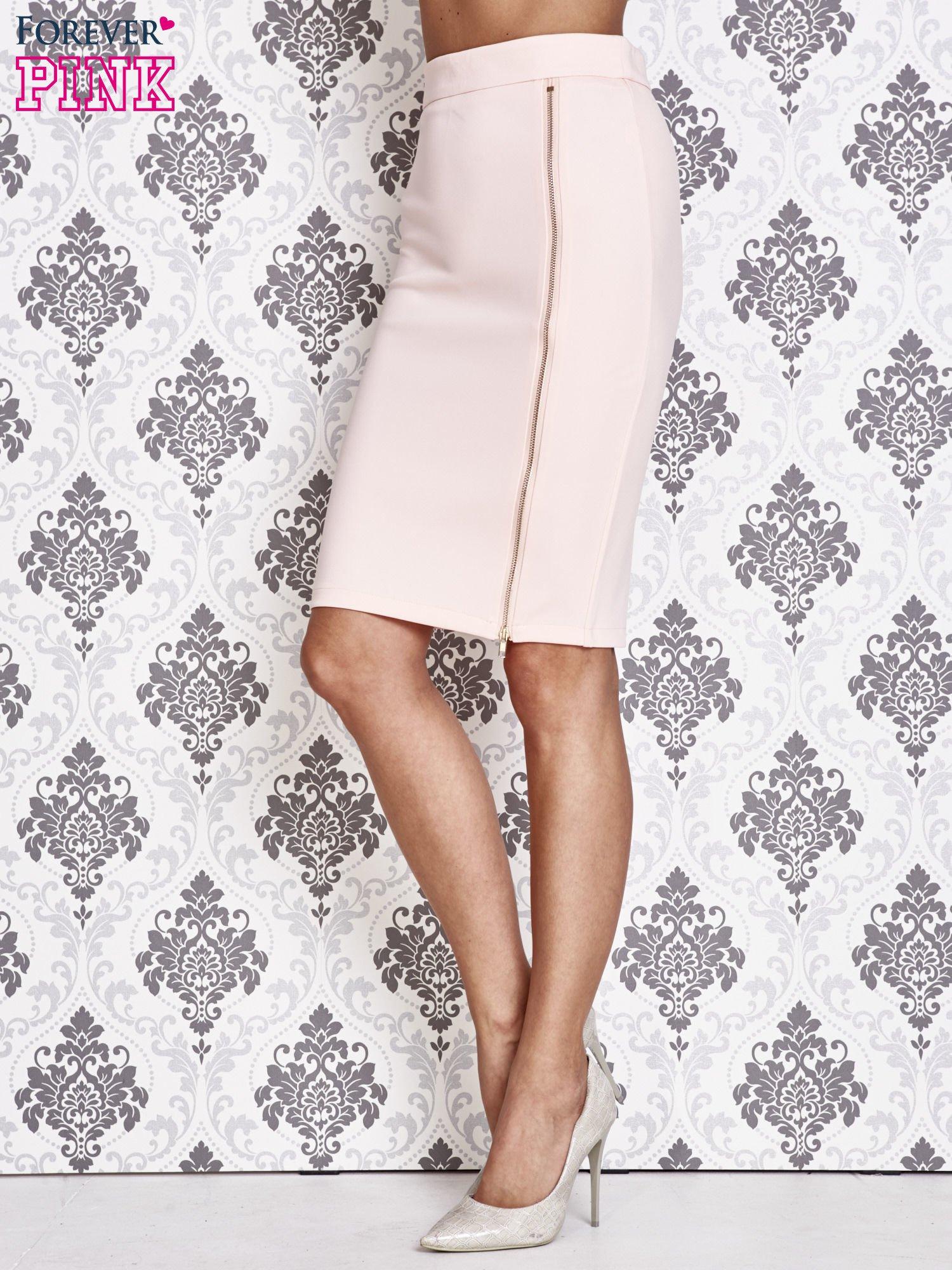 Różowa ołówkowa spódnica ze złotym suwakiem                                  zdj.                                  2