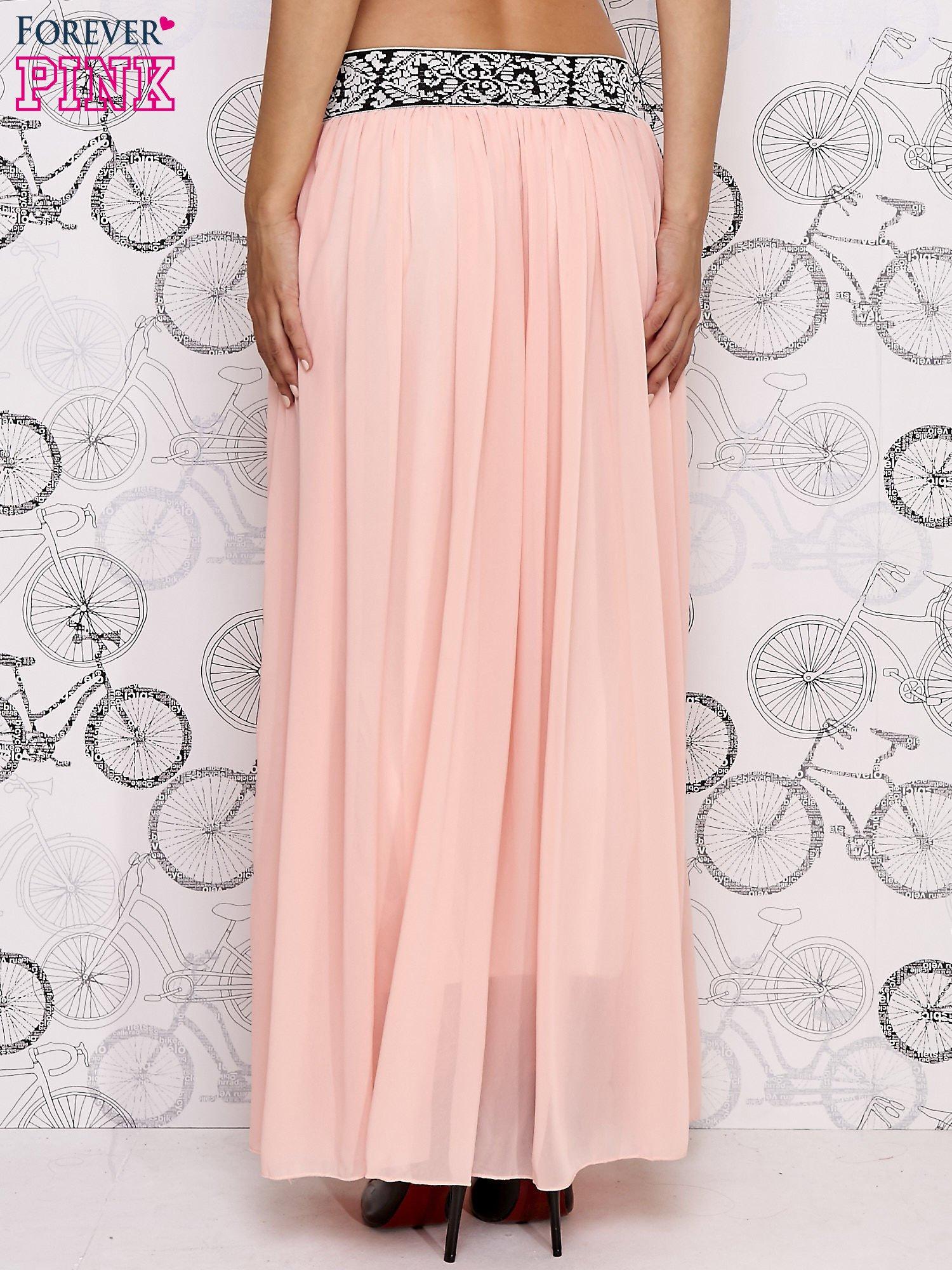Różowa spódnica maxi z wyszywanym paskiem                                  zdj.                                  4