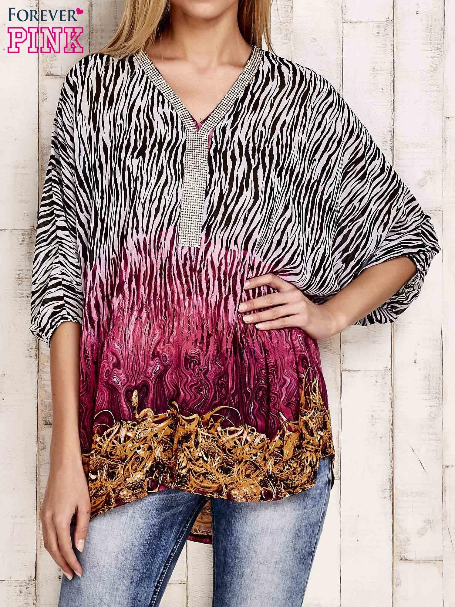 Różowa wzorzysta koszula oversize z dekoltem z cyrkonii                                  zdj.                                  1