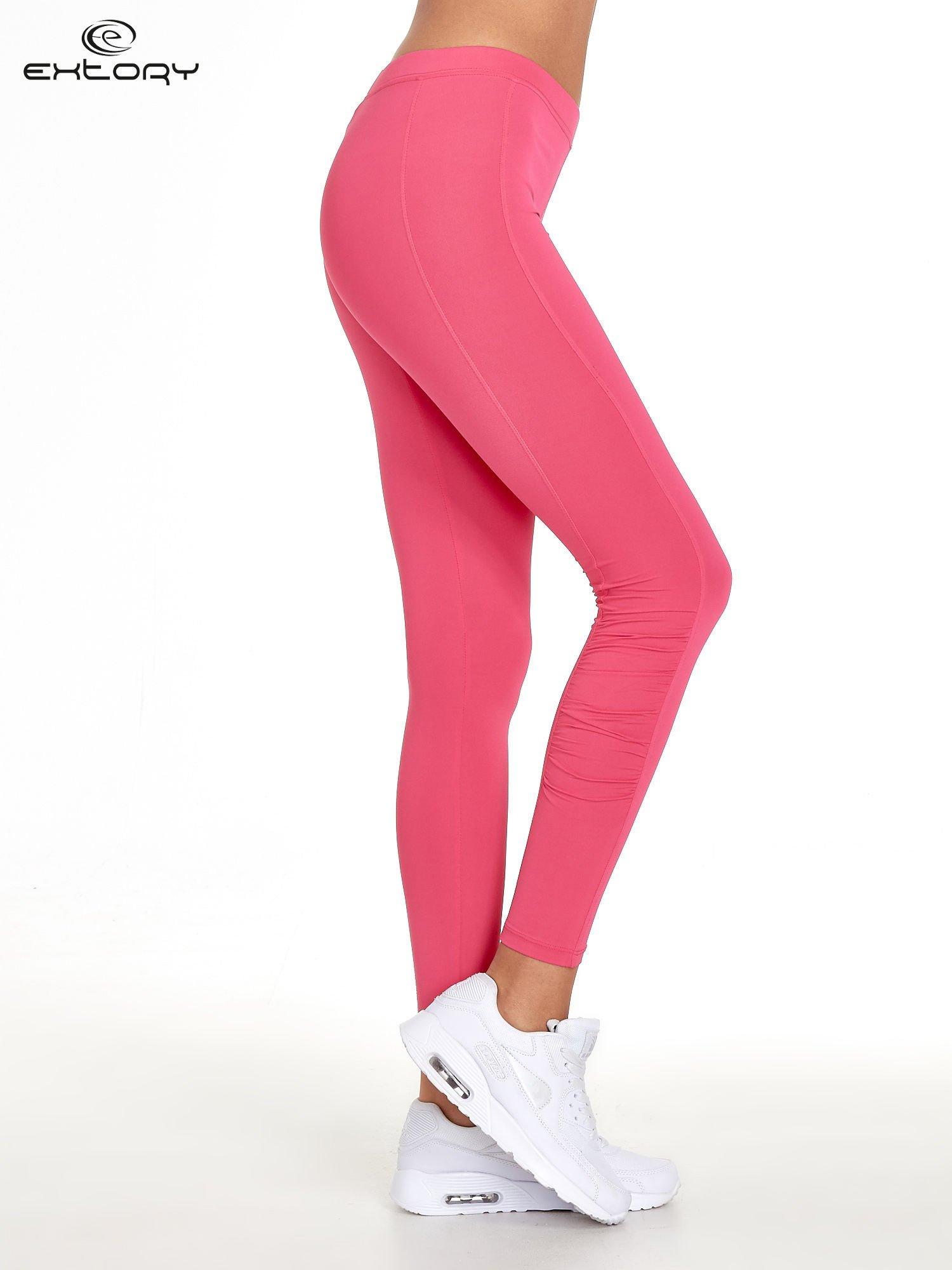 Różowe legginsy sportowe termalne z drapowaniem                                  zdj.                                  2
