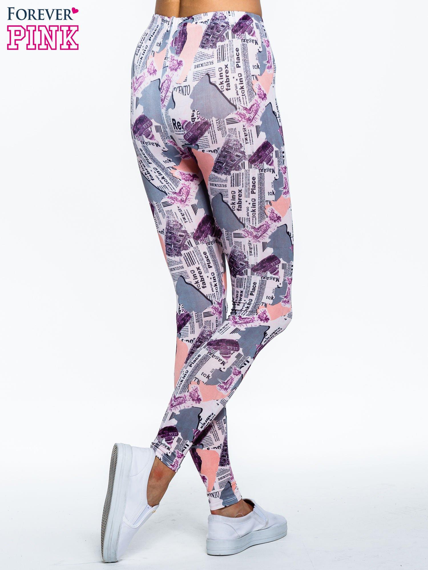 Różowe legginsy z motywem newspaper print                                  zdj.                                  4