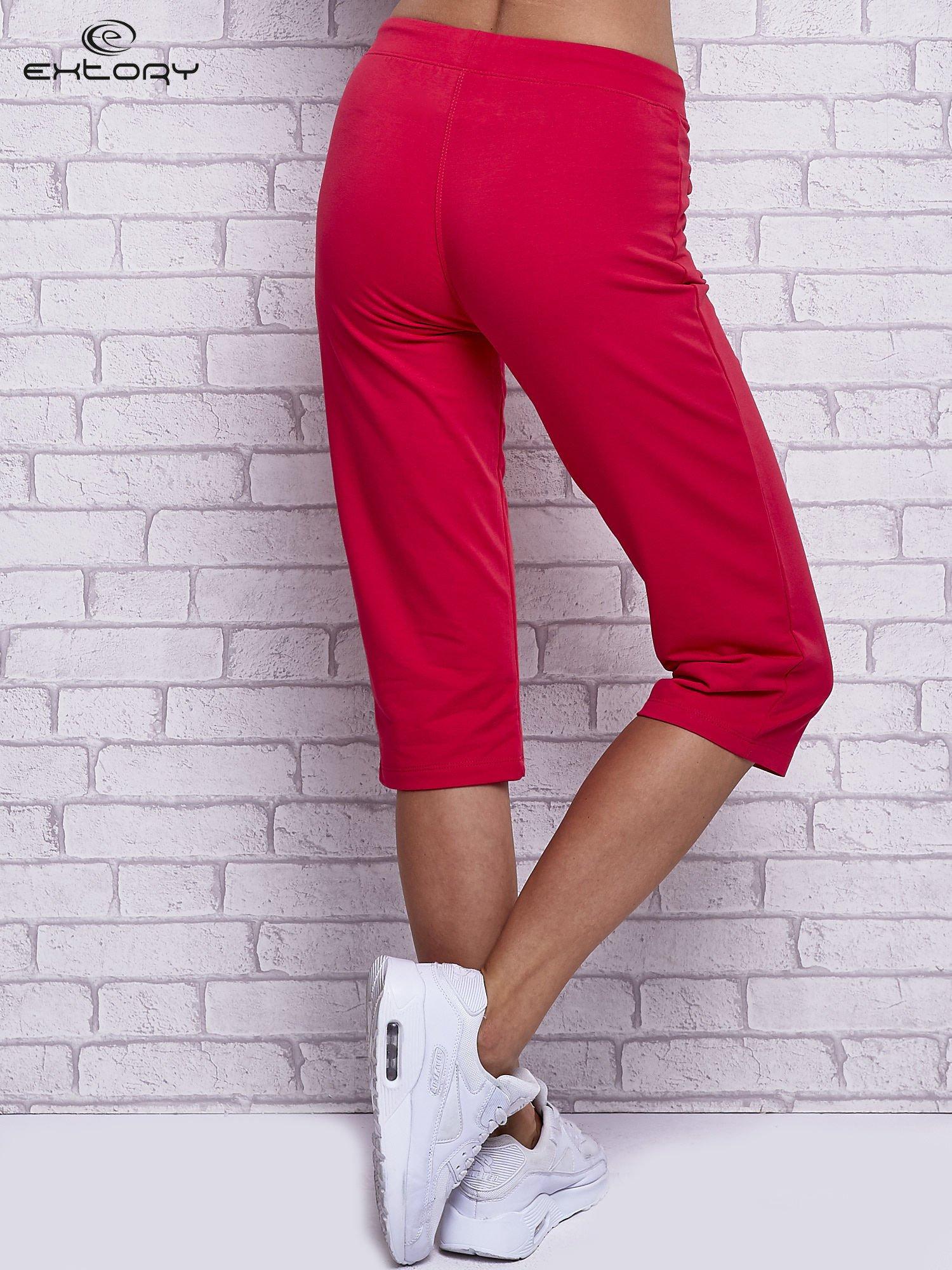 Różowe spodnie capri z wszytymi kieszonkami                                  zdj.                                  2