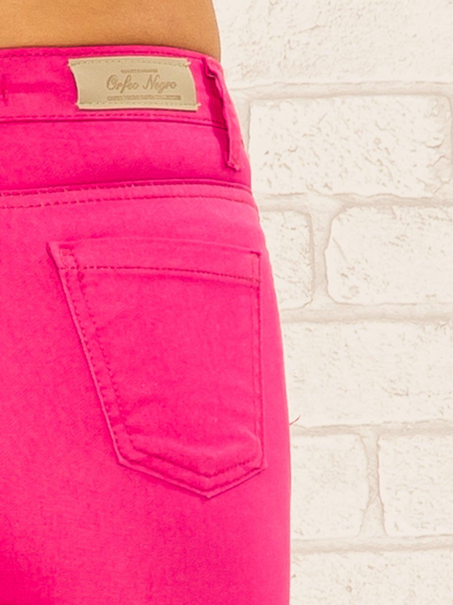 Różowe spodnie rurki skinny z kieszeniami                                  zdj.                                  7