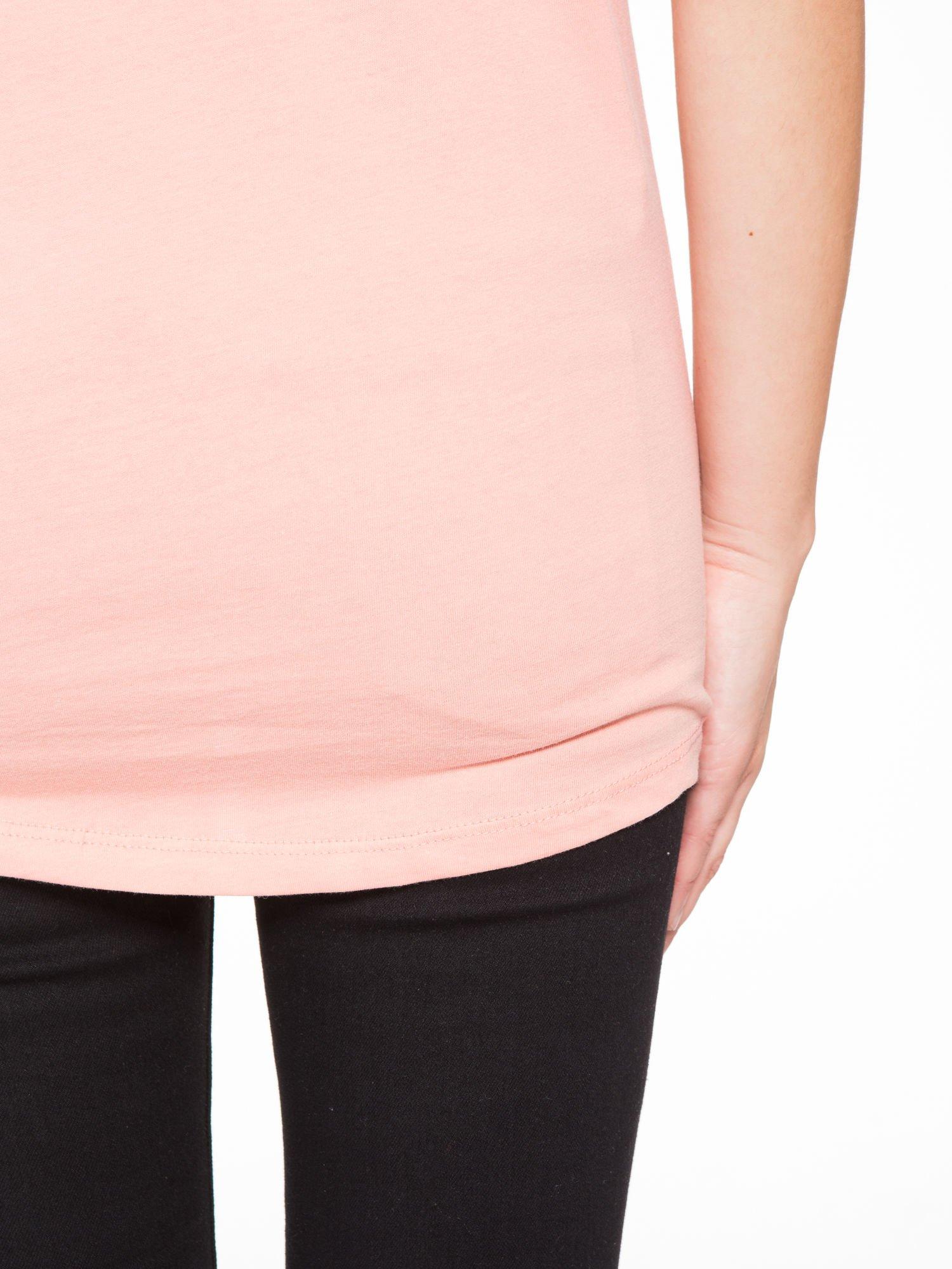Różowy t-shirt z nadrukiem roweru                                  zdj.                                  9