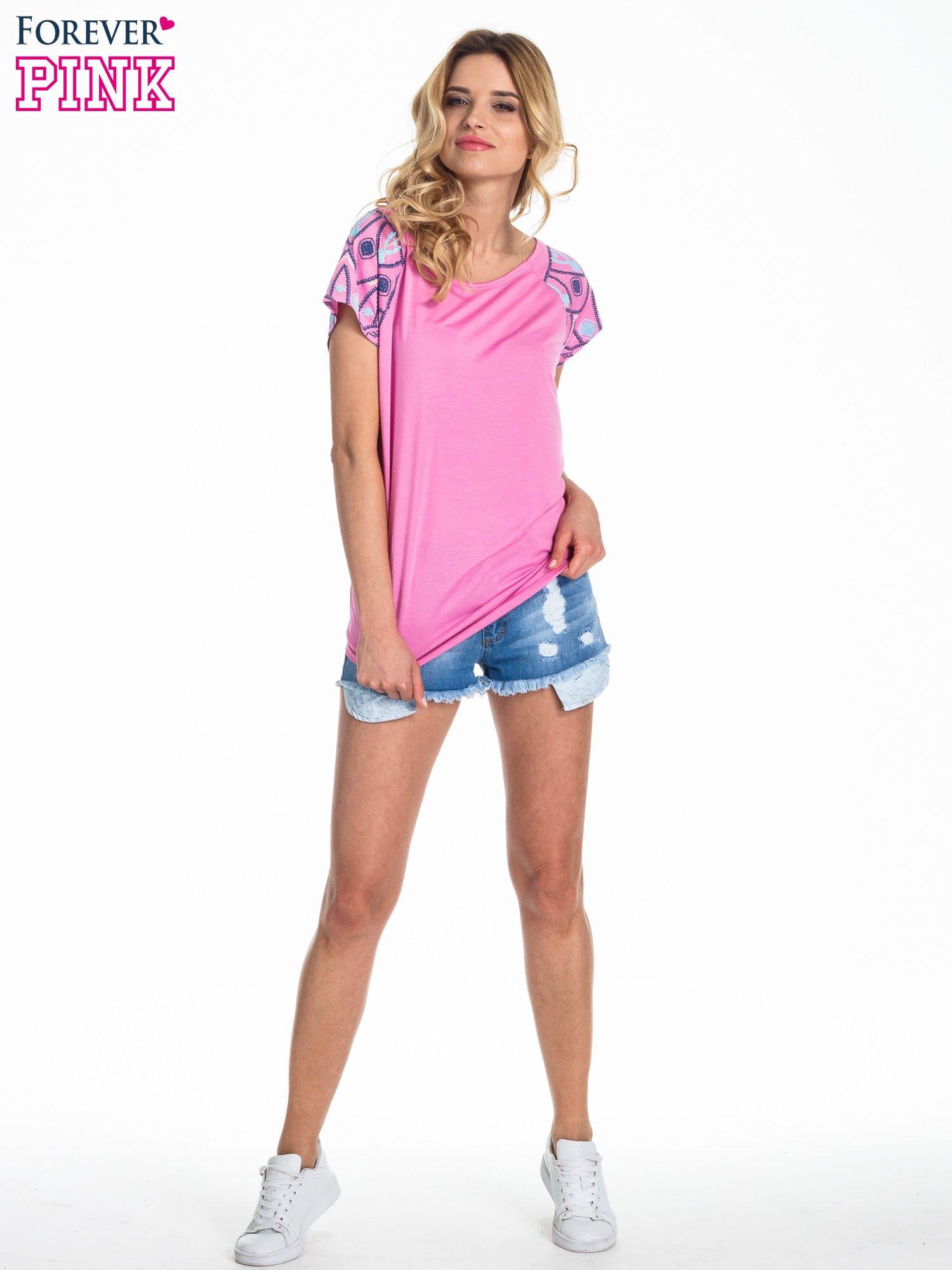 Różowy t-shirt z rękawkami w motyw etno                                  zdj.                                  2