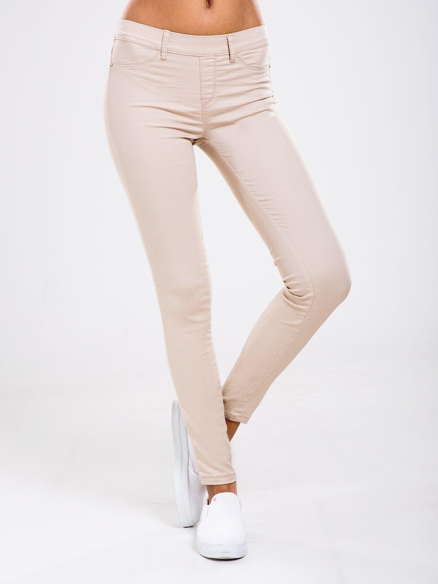 STRADIVARIUS Beżowe spodnie skinny typu jegginsy                                  zdj.                                  1