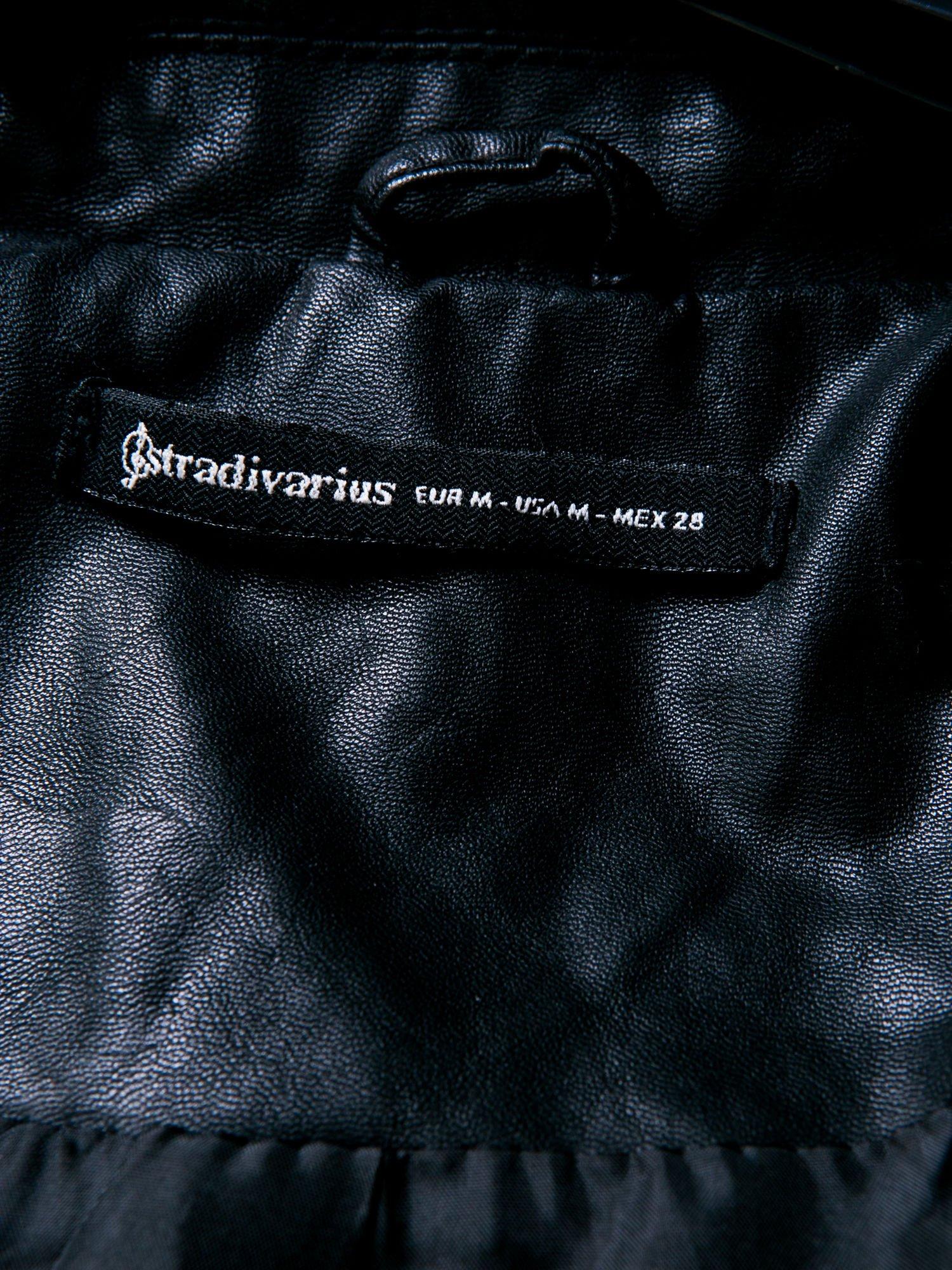 STRADIVARIUS Czarna skórzana kamizelka w rockowym stylu                                  zdj.                                  3