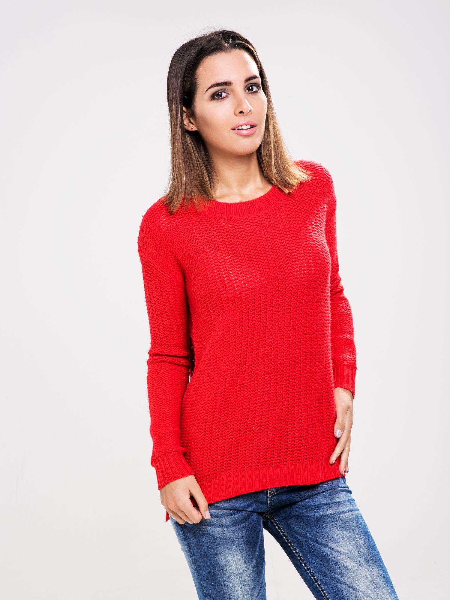 STRADIVARIUS Czerwony sweter z suwakiem z tyłu                                  zdj.                                  1