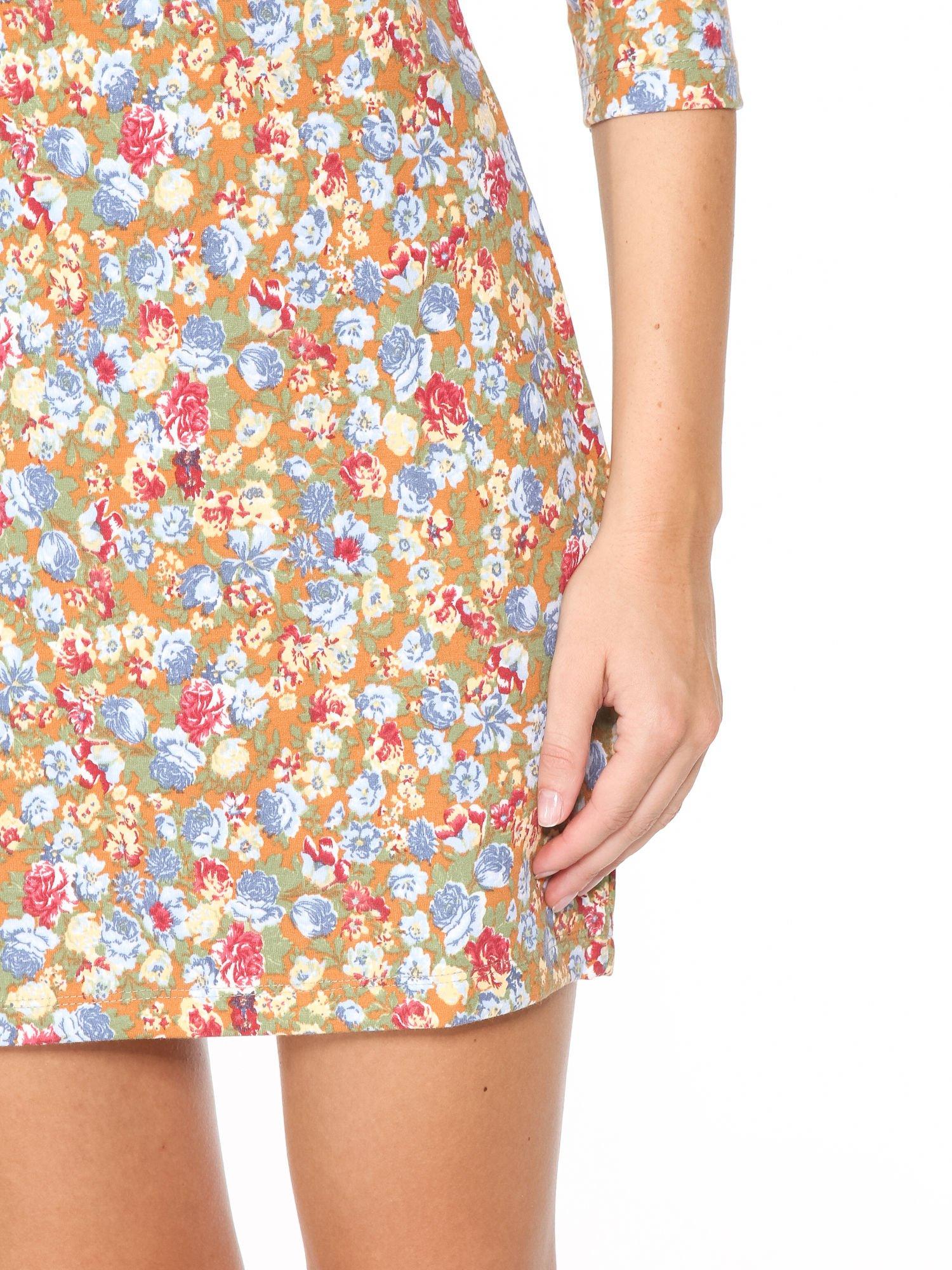 Sukienka w łączkę z marszczonymi rękawkami                                  zdj.                                  8
