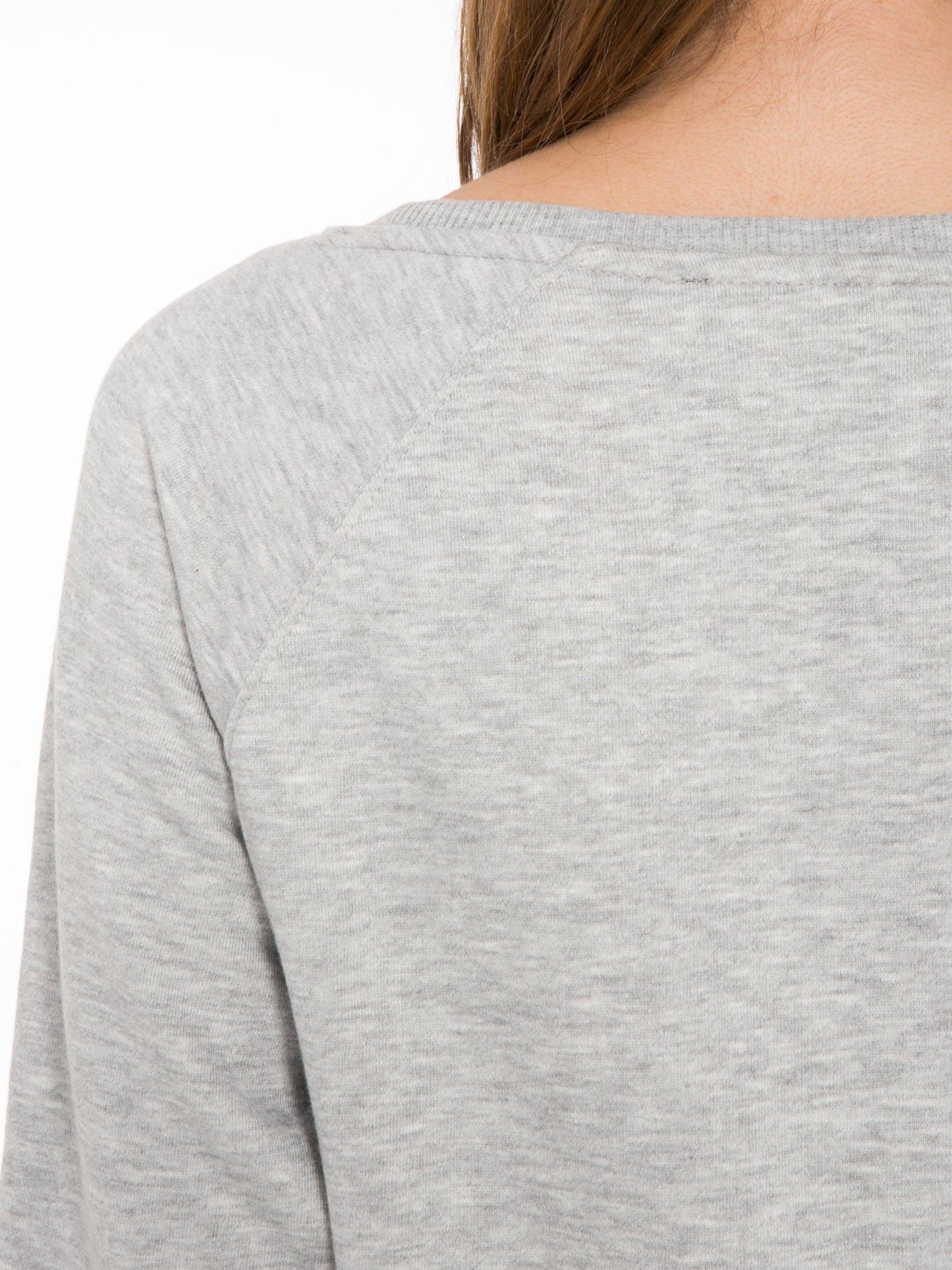 Szara bluza z nadrukiem LA MODE                                  zdj.                                  7