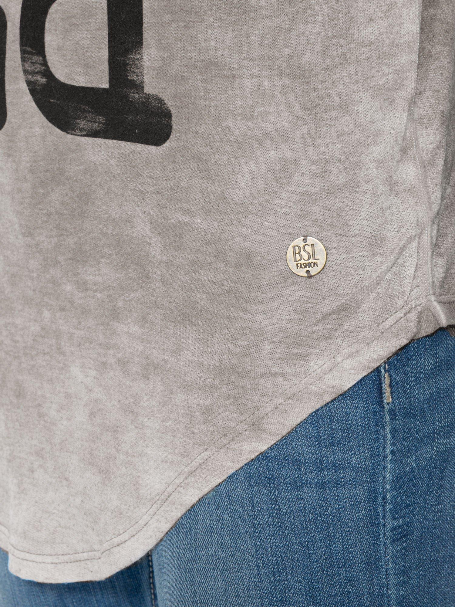 Szara bluzka z nadrukiem I LOVE BSL i efektem sprania                                  zdj.                                  9